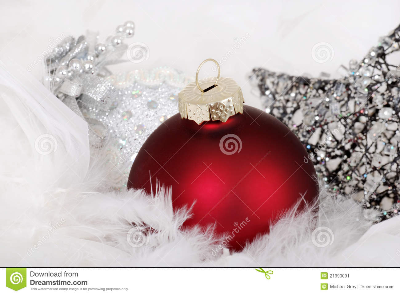 red and silver christmas table decorations