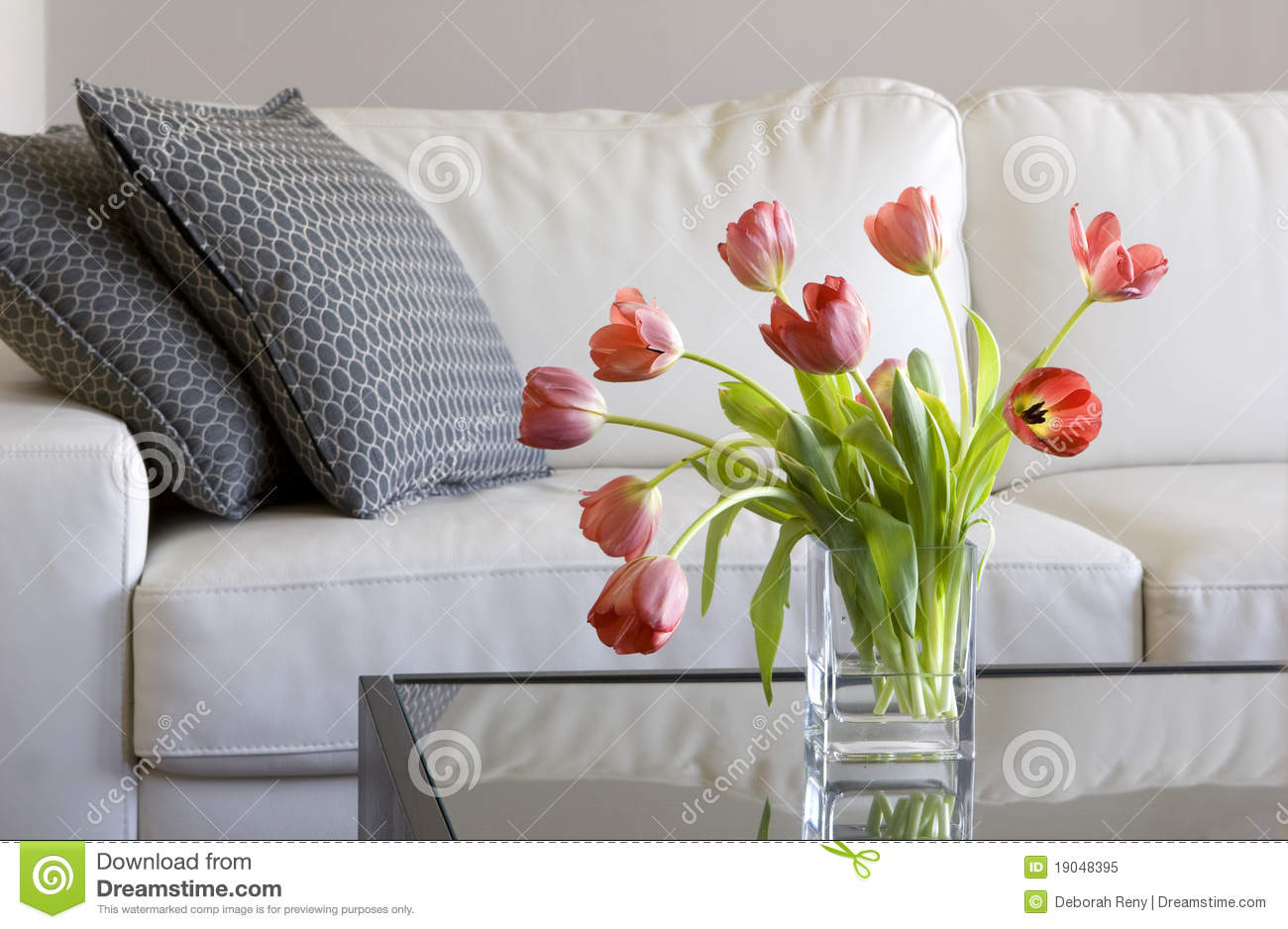 Red Tulips In Modern Living Room   Home Decor. Elegant, Life.