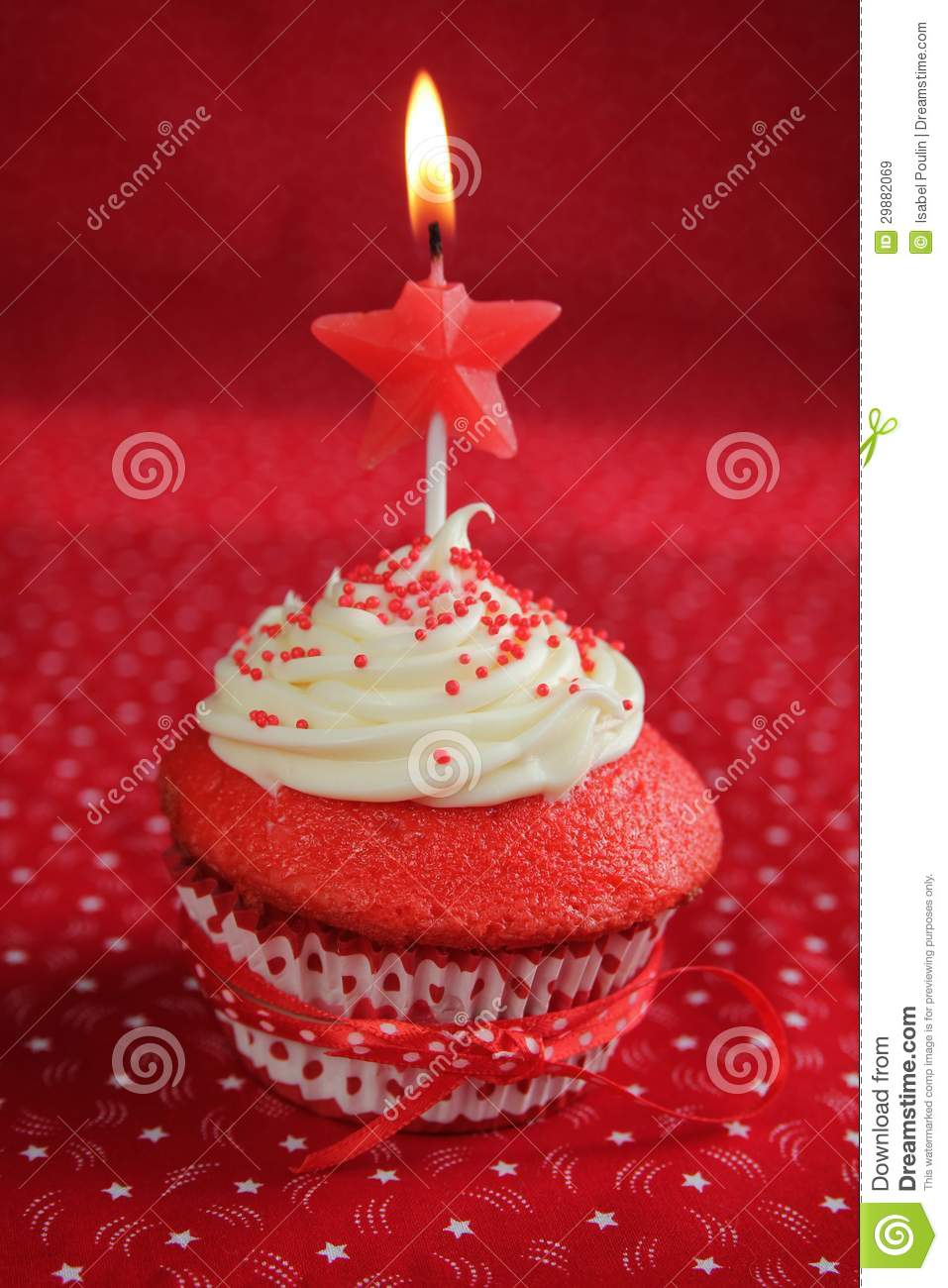 ... Velvet Cupcake Birthday Royalty Free Stock Images - Image: 29882069