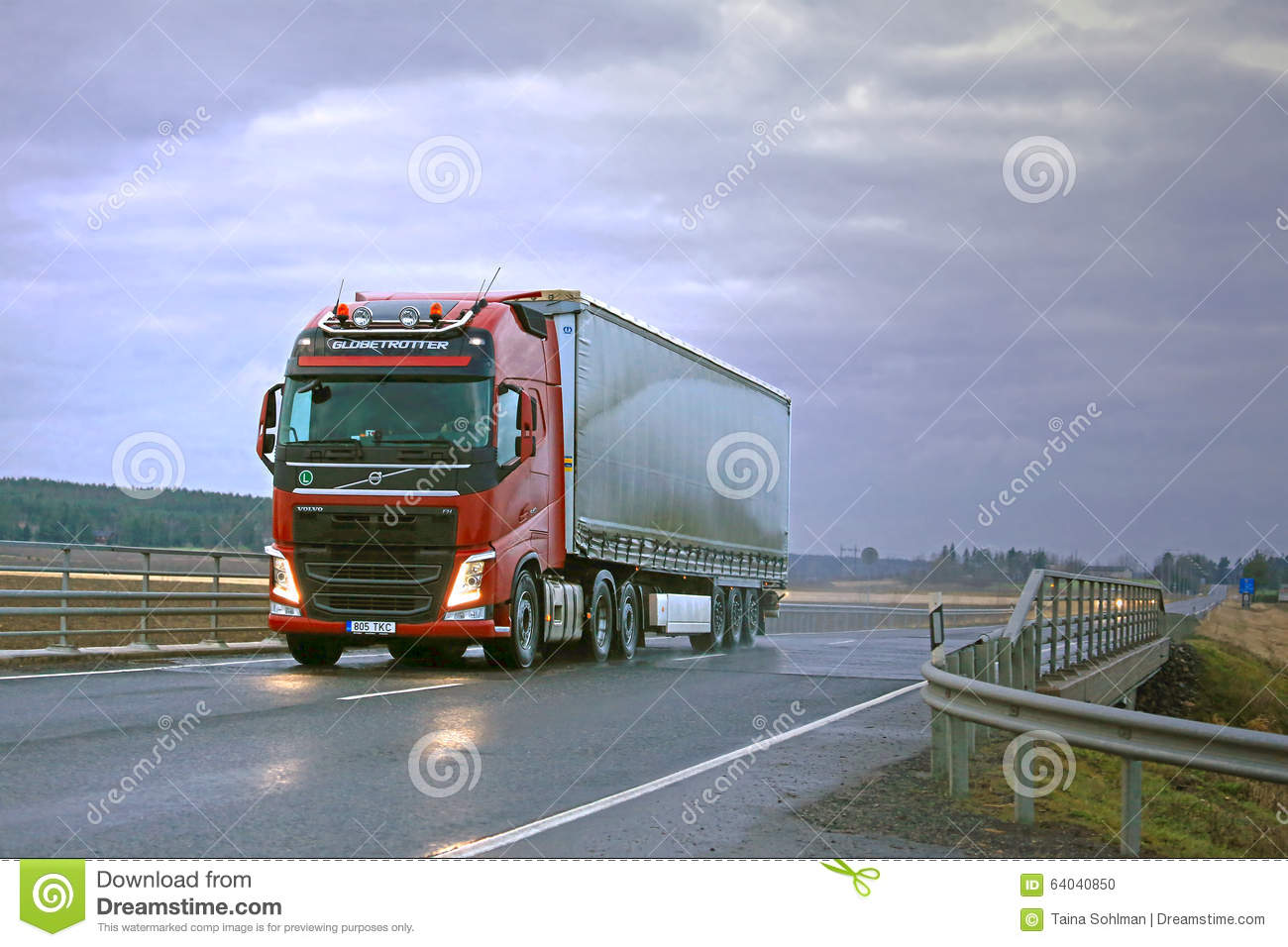 Red Volvo FH Semi And Dark Sky Editorial Image - Image: 64040850