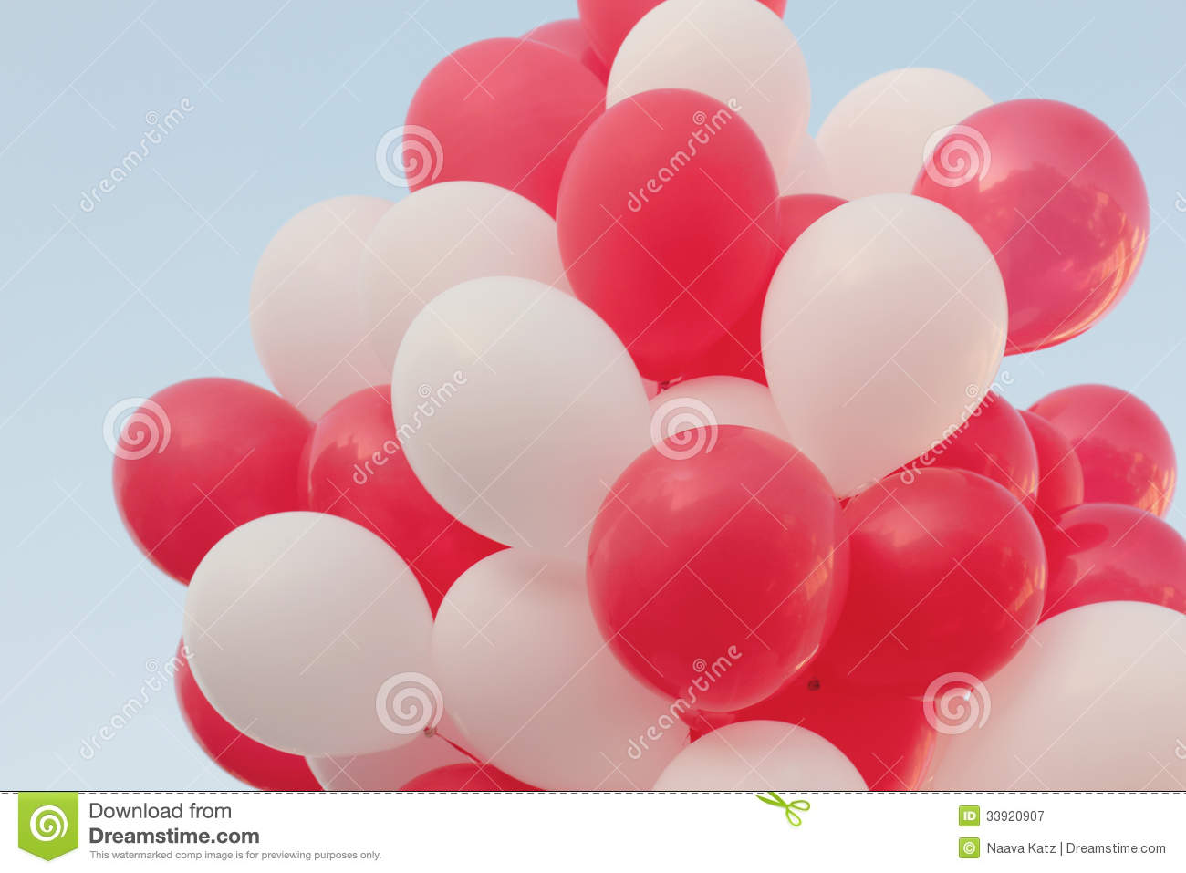 Red And White Balloons Royalty Free Stock Photography - Image ...: dreamstime.com/royalty-free-stock-photography-red-white-balloons...