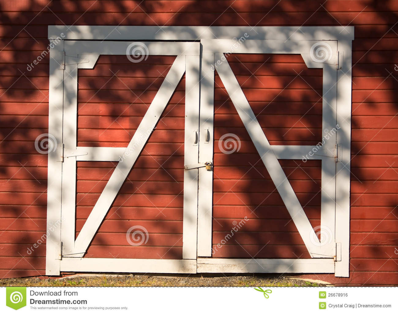 Red And White Barn Doors Royalty Free Stock Image - Image: 26678916