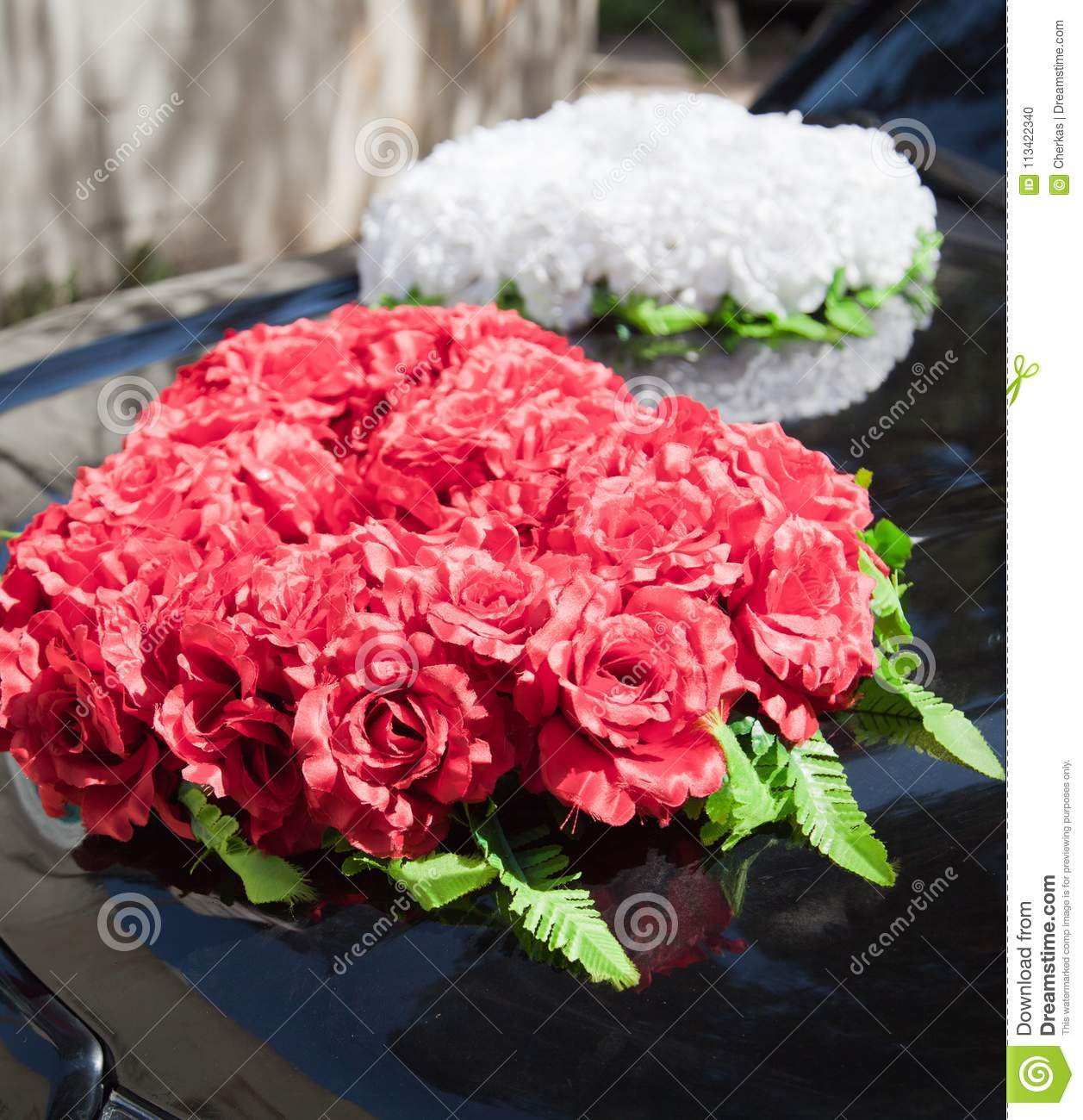 Red And White Bouquet Of Flowers Stock Photo - Image of auto ...