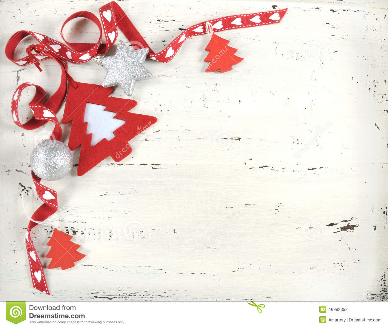 Red And White Christmas Felt Tree On White Vintage Wood ...