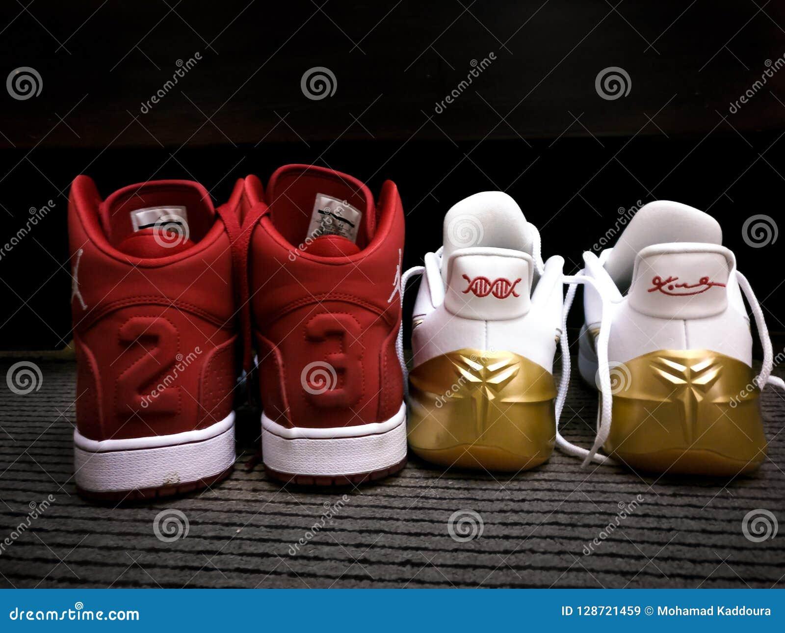sale retailer 87aad 4d8de Red and white Nike Michael Jordan 23 sneakers - Kobe Bryant nike sneakers  Black Mamba.