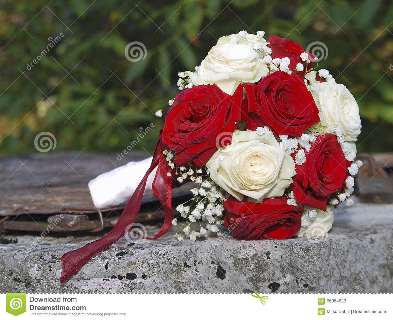 Red White Roses Wedding Bouquet Rusty Well 66954839