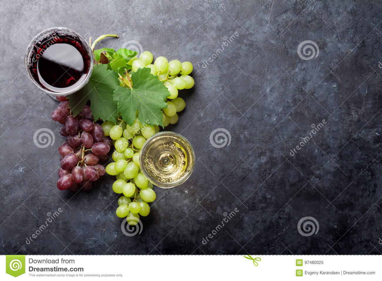 Red and white wine and grape