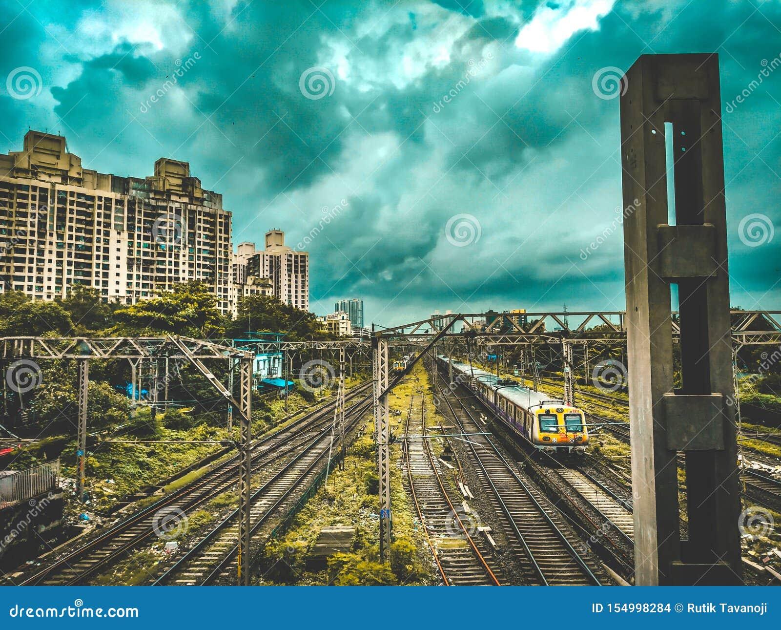 Reddingslijn van de Lokale Spoorweg van Mumbai