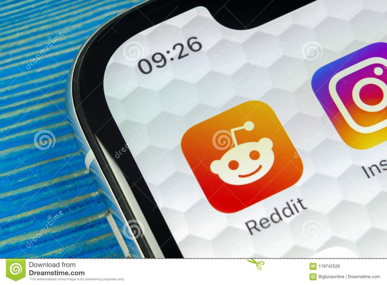Reddit Application Icon On Apple IPhone X Smartphone Screen Close-up