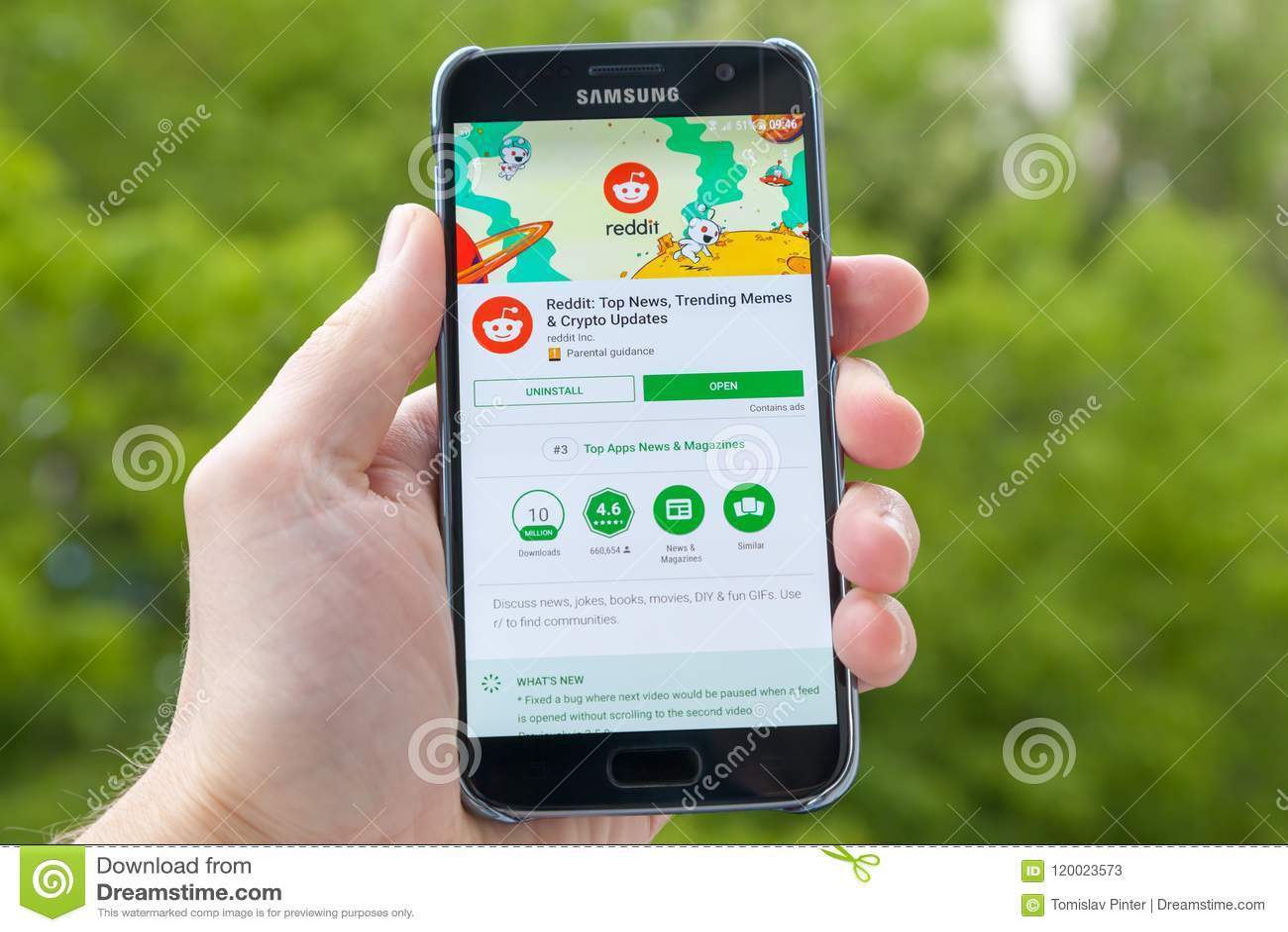 Reddit on smartphone editorial stock photo  Image of display