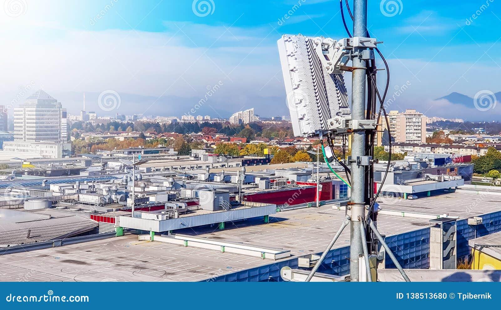 Rede de rádio celular da telecomunicação 5G móvel de antena