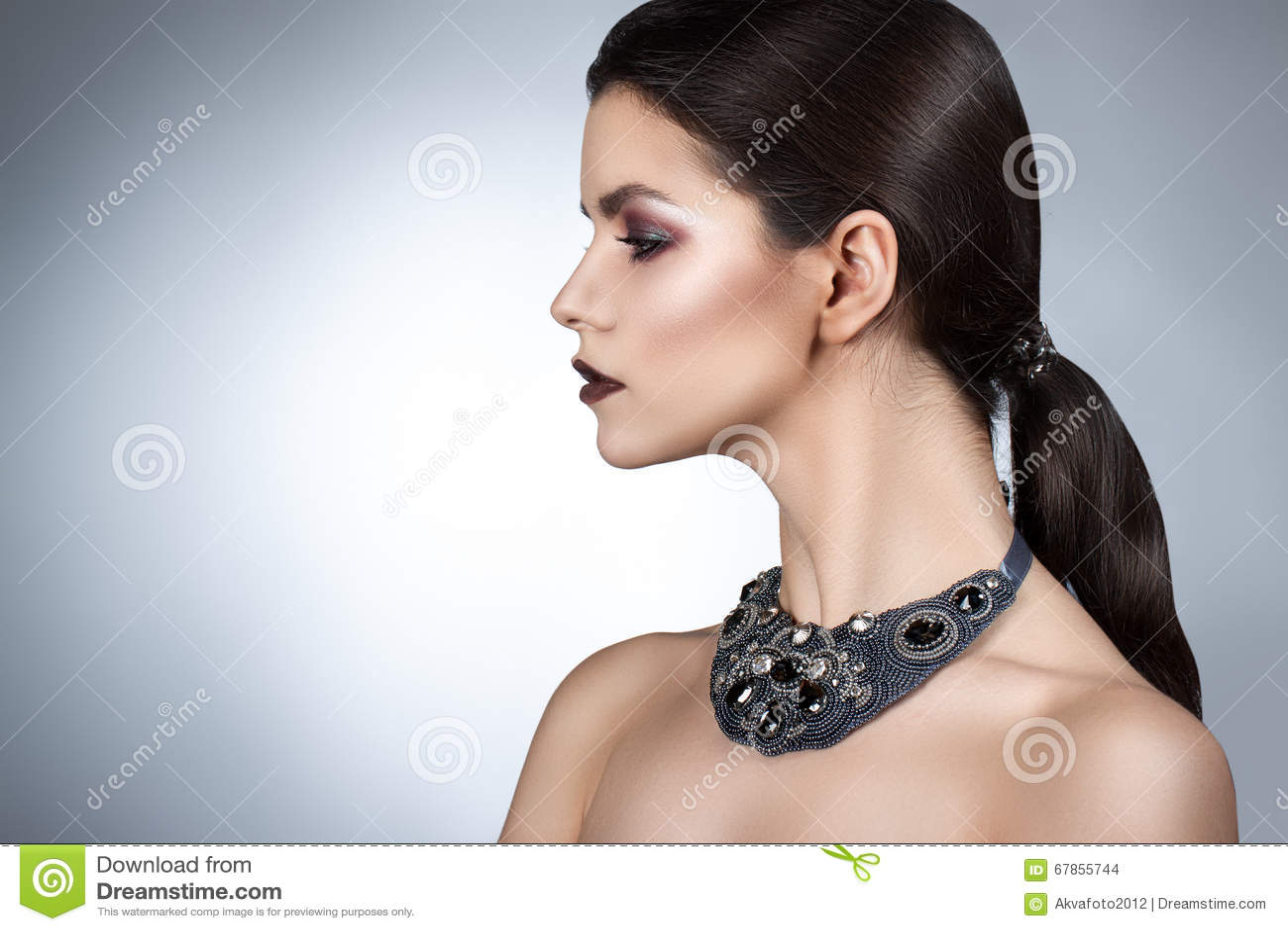 Reden Sie Perfektes Gesicht Des Frauenporträts Fachmann Machen An