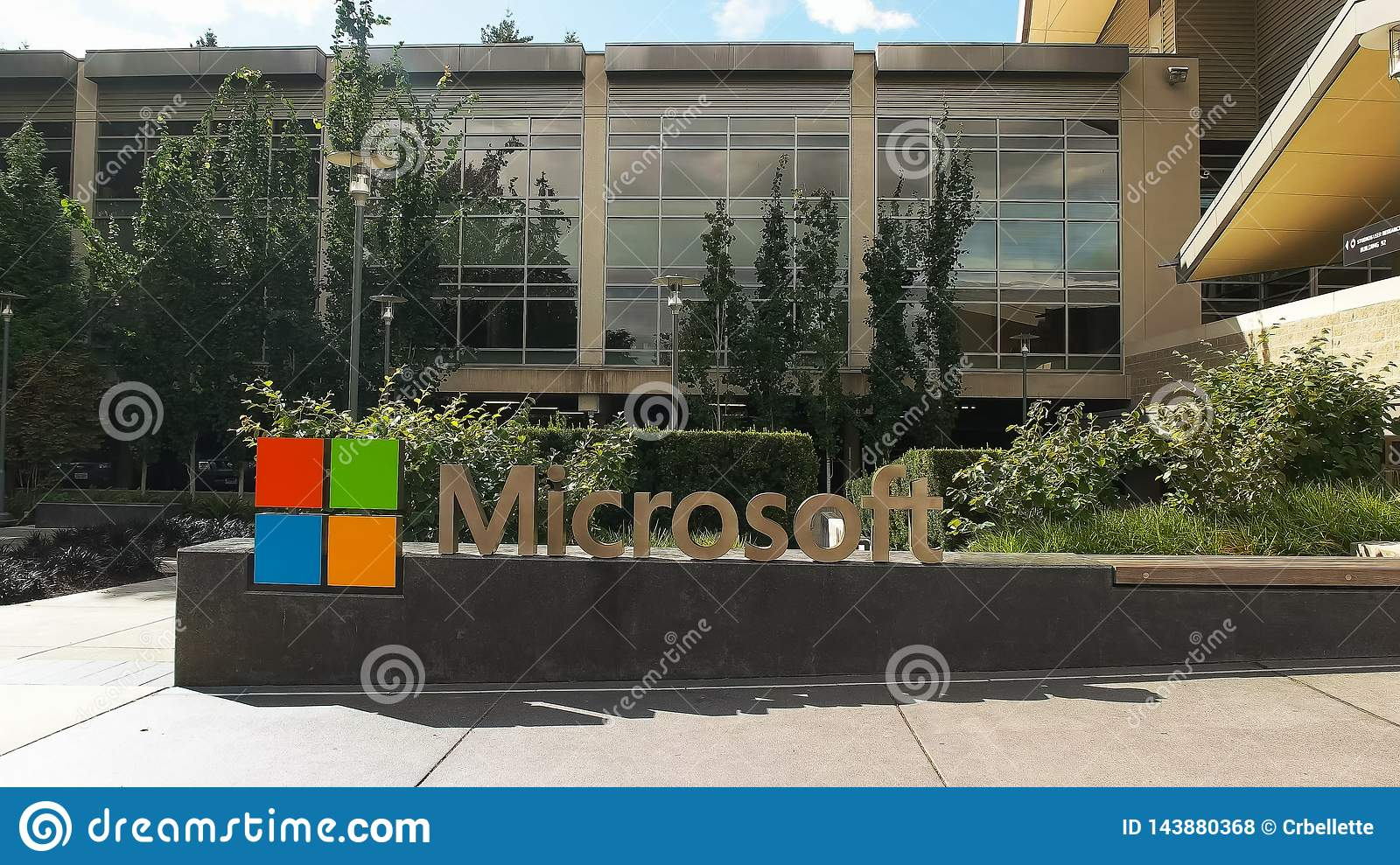 REDMOND WASHINGTON, USA SEPTEMBER 3, 2015: yttre sikt av microsoft redmond högkvarterbyggande