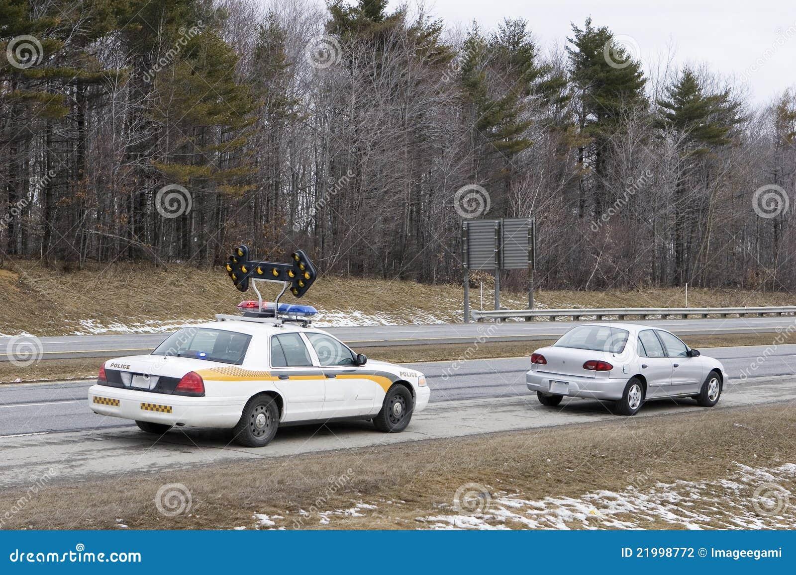 Reductor de velocidad tirado encima por la policía
