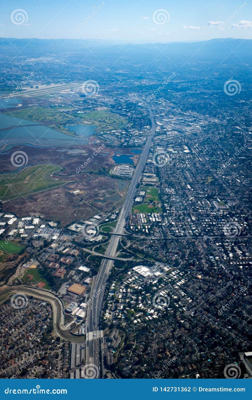 Redwood City från himlen