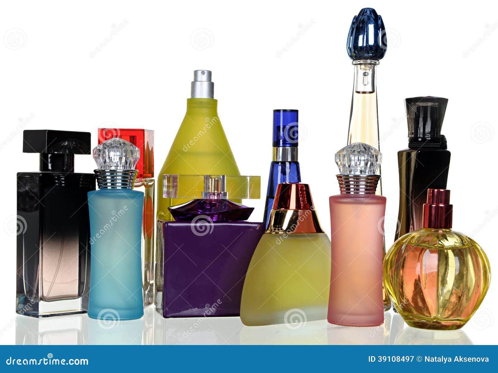 Reeks van het verschillende parfum van glasflessen