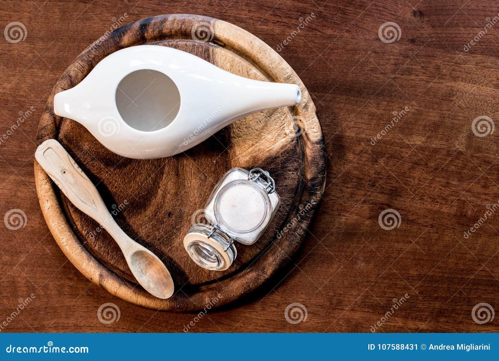 Reeks voor het gebruik van netipot, ayurvedic systeem om neus schoon te maken,