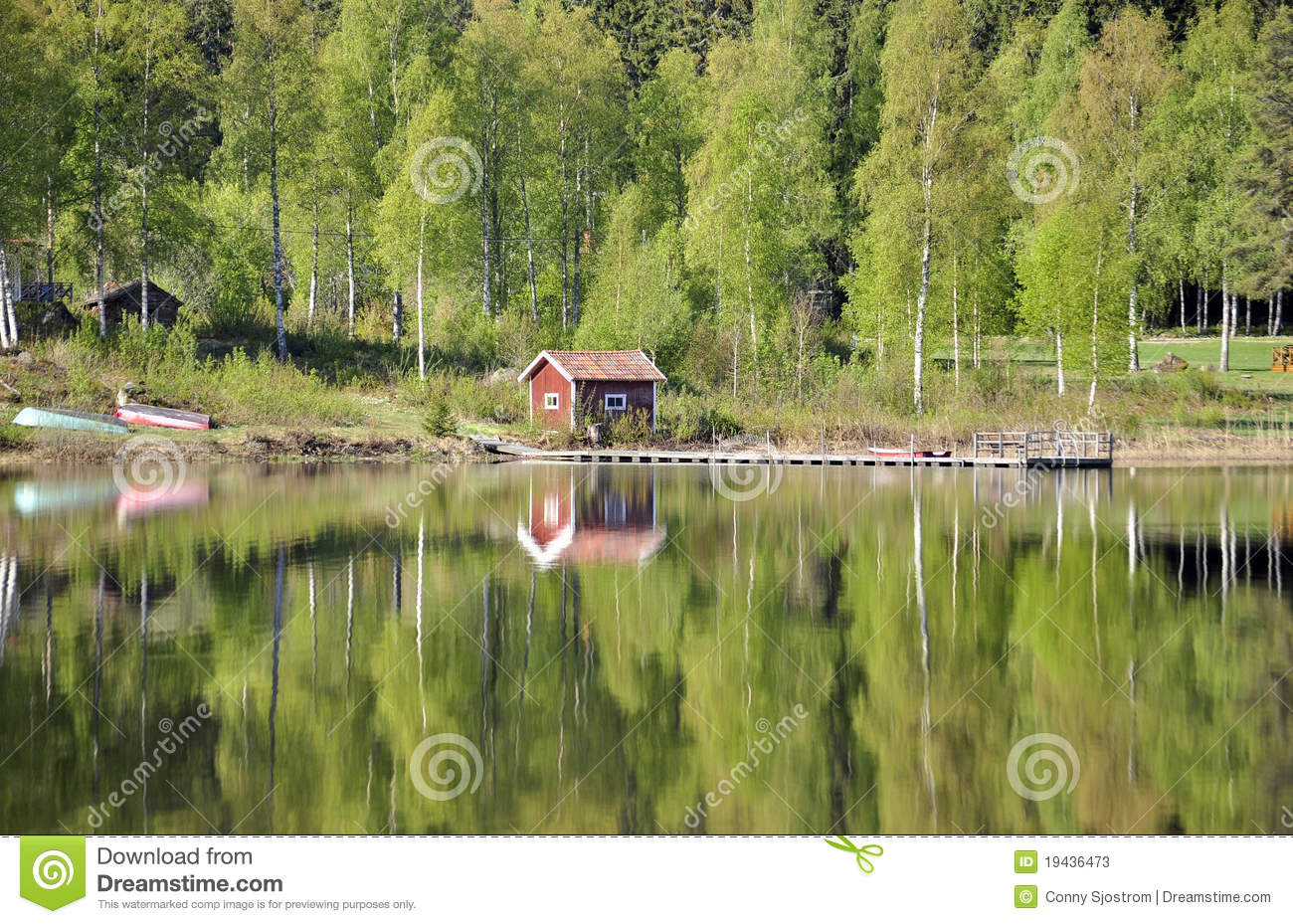 Reflection on still lake stock photos image 19436473 - Gloriette fer smeden ...