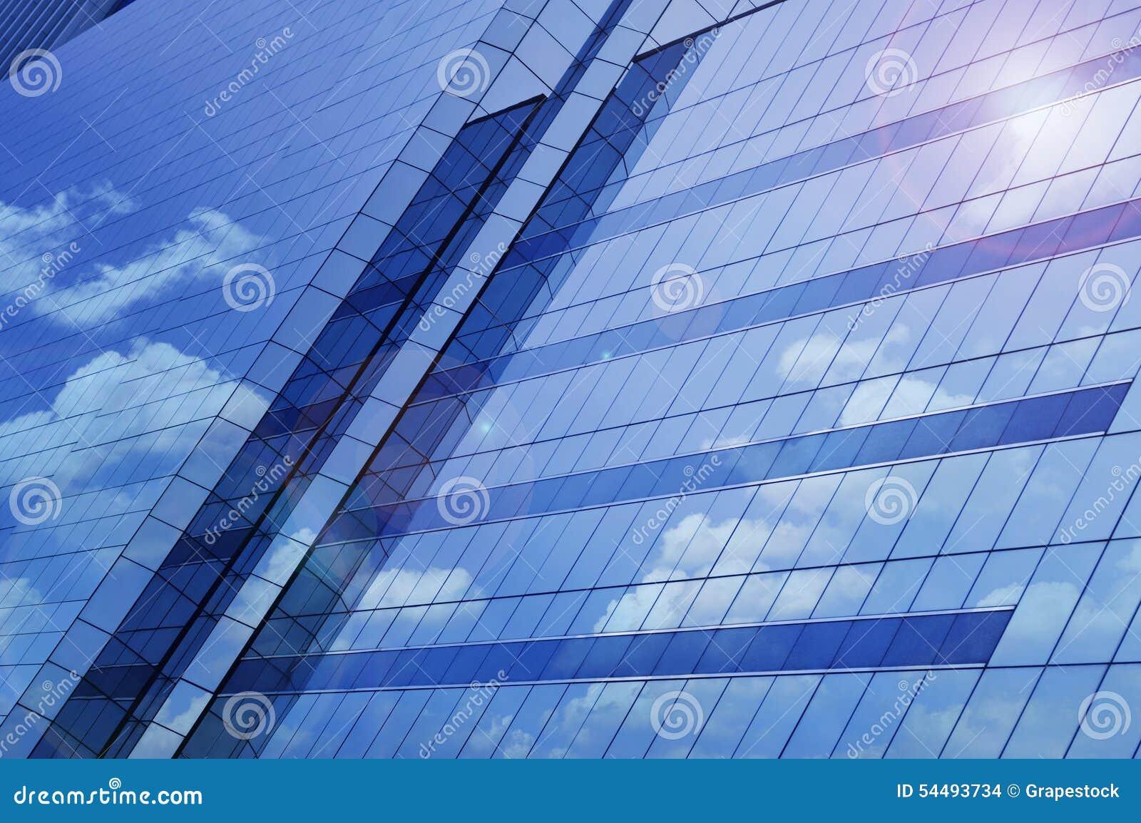 Reflektera av daghimmel på tornet för fönsterexponeringsglas, Bangkok