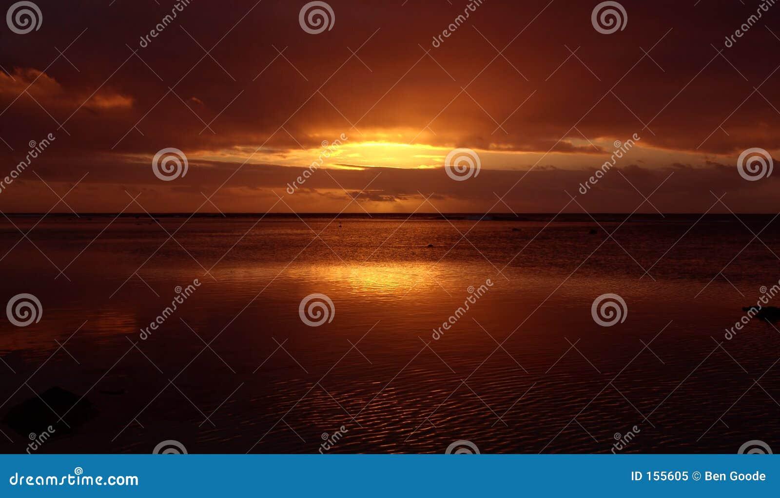 Reflektierender Sonnenuntergang