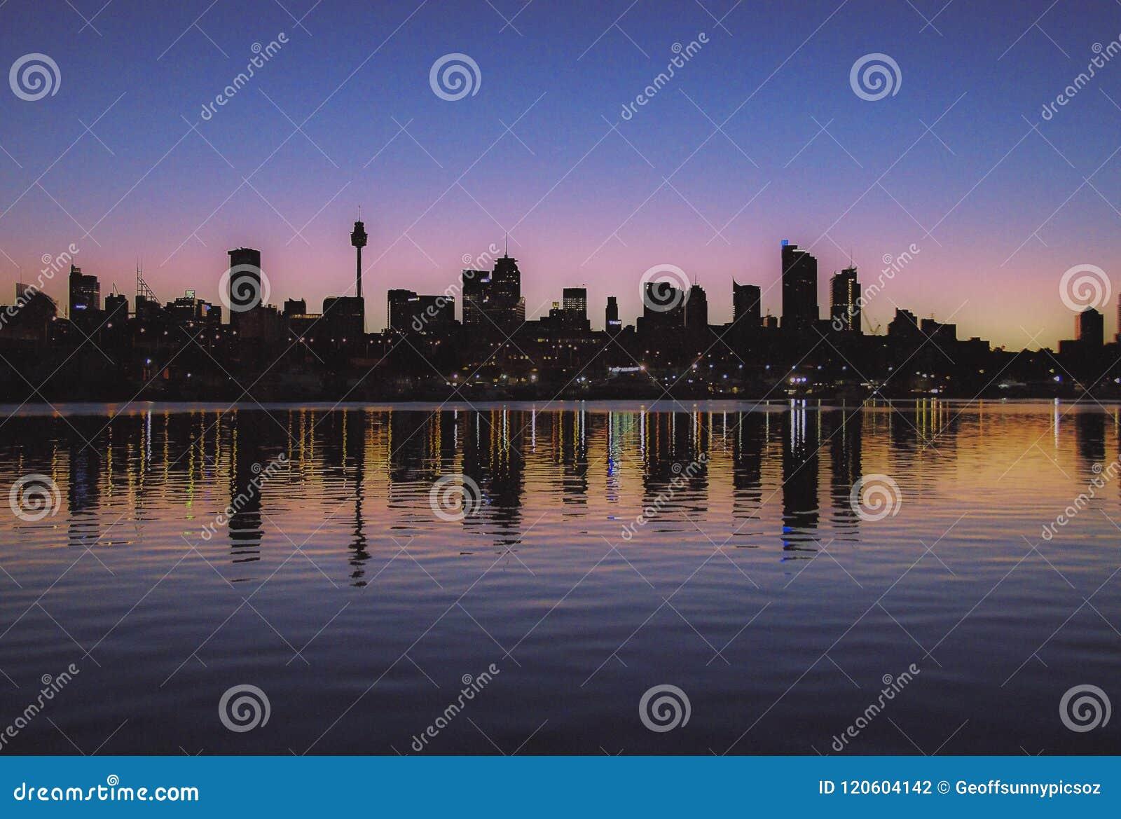 Reflexioner för Sydney stadshorisont australasian