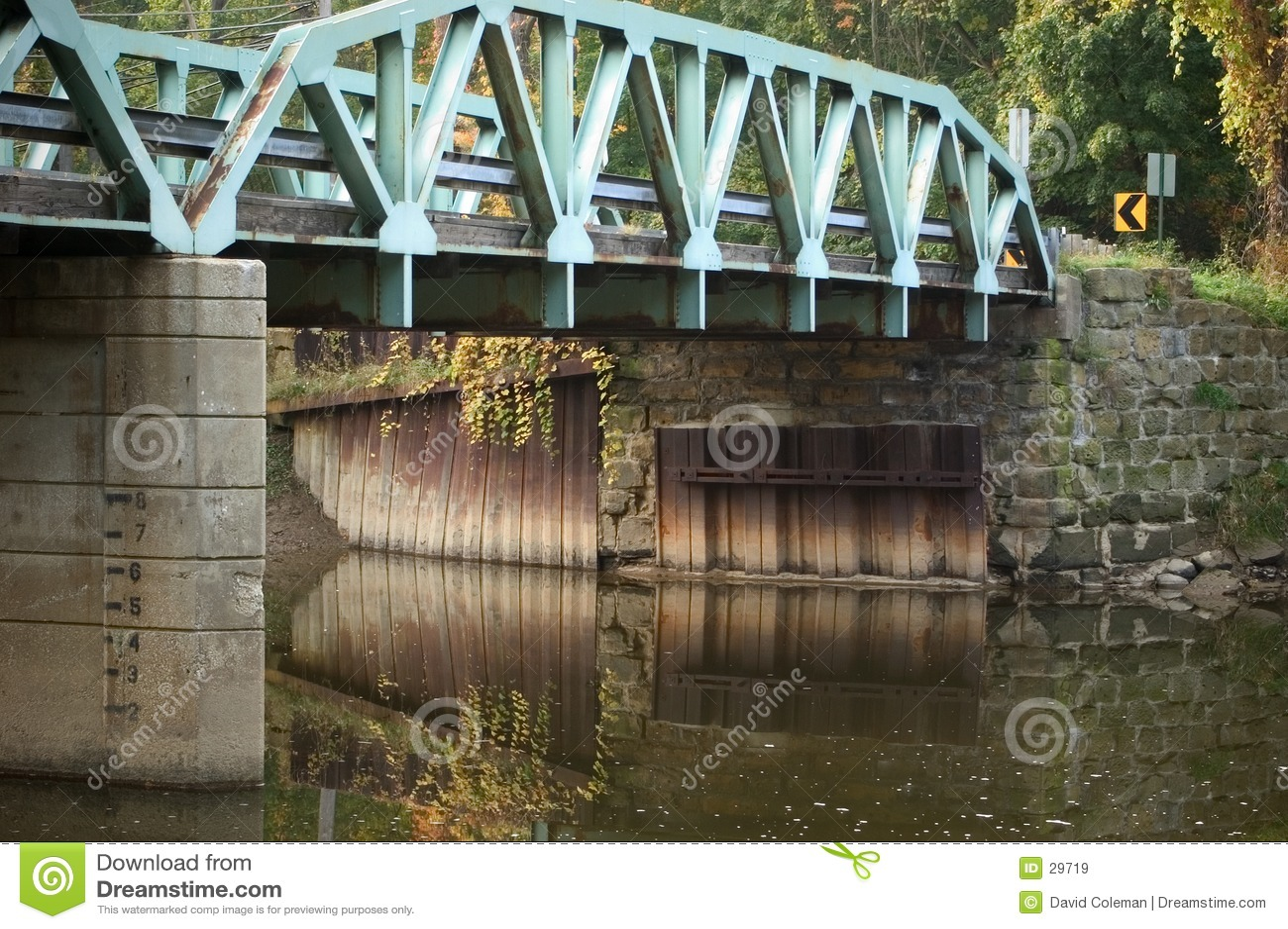 Download Reflexiones del puente imagen de archivo. Imagen de cemento - 29719