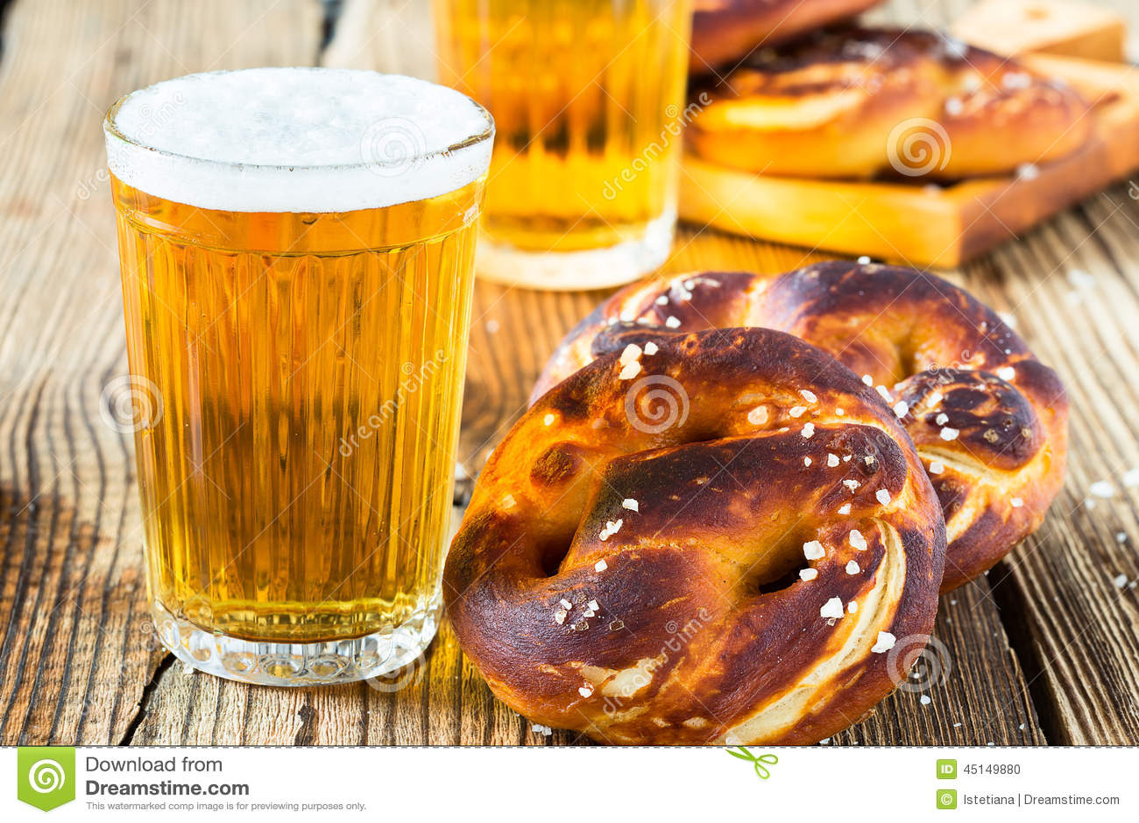 beer drink pretzels bavarian german traditional refreshing fresh ready octoberfest