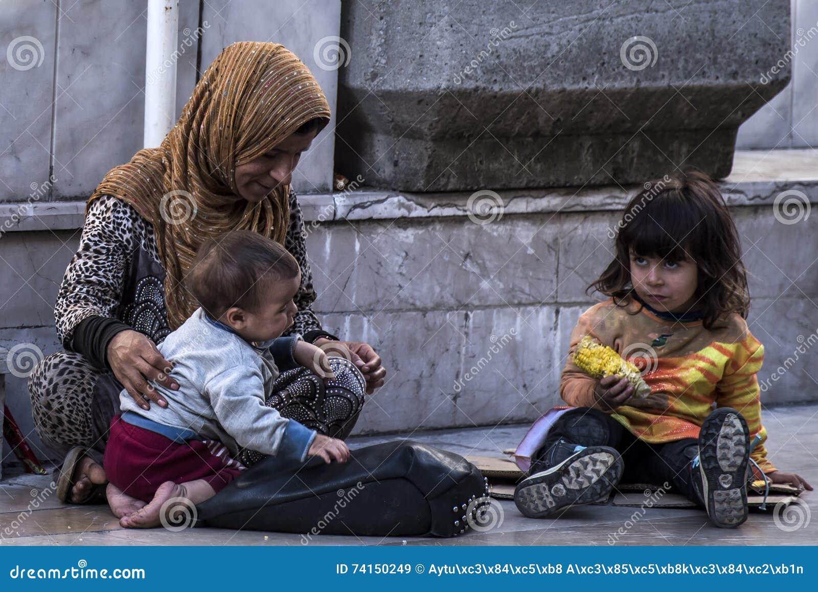 Refugiados sírios que vivem em ruas