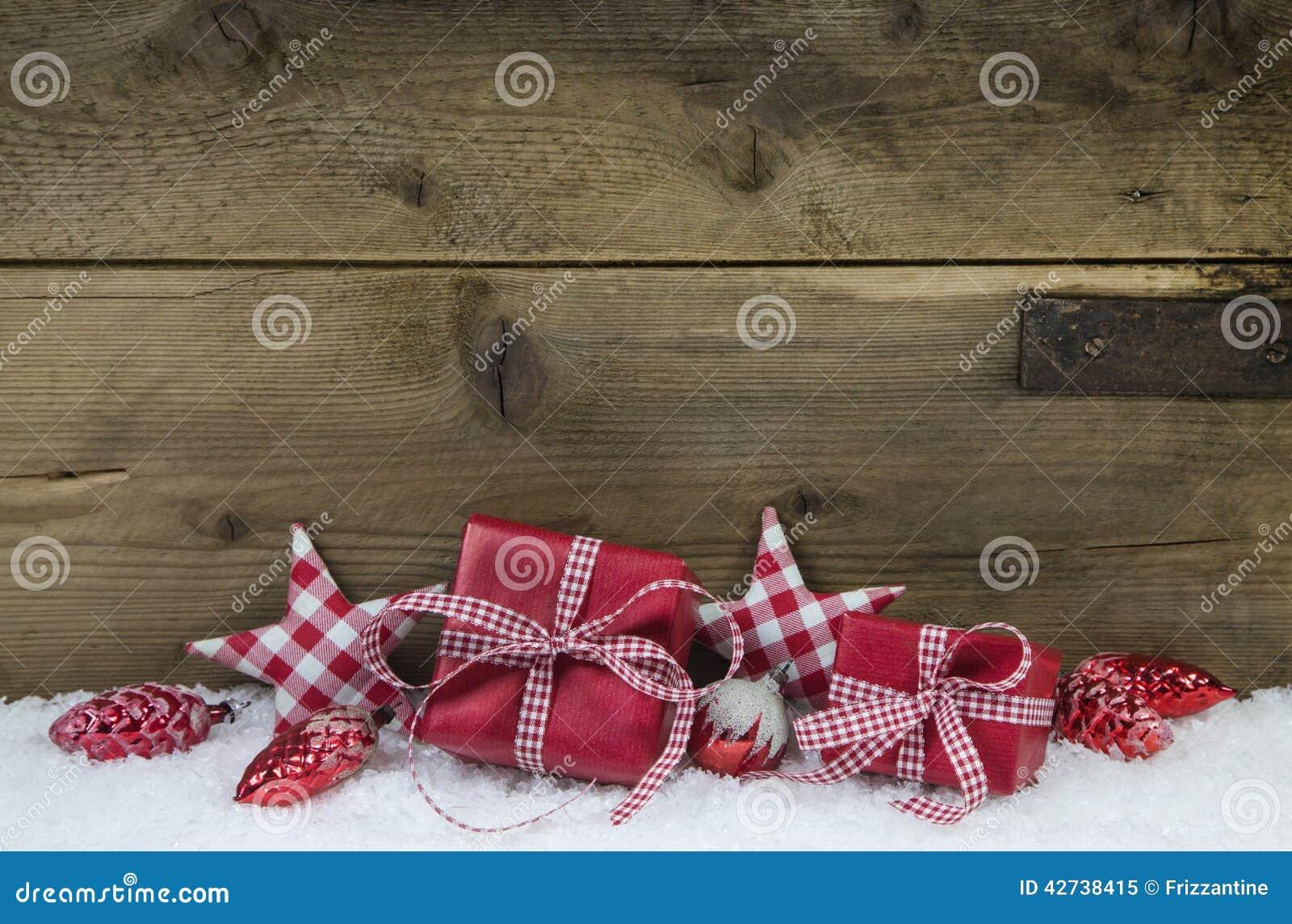Regali Di Natale In Legno.Regali Di Natale Controllati Rosso Su Backgroun Stile Country Di