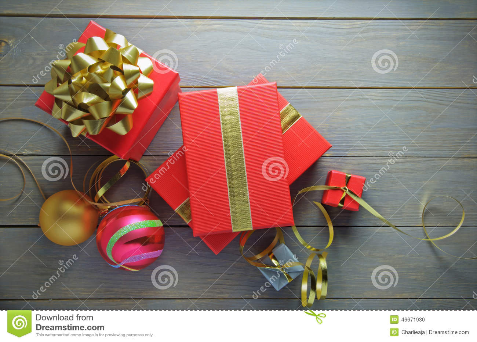 Regalos y decoraciones de la Navidad