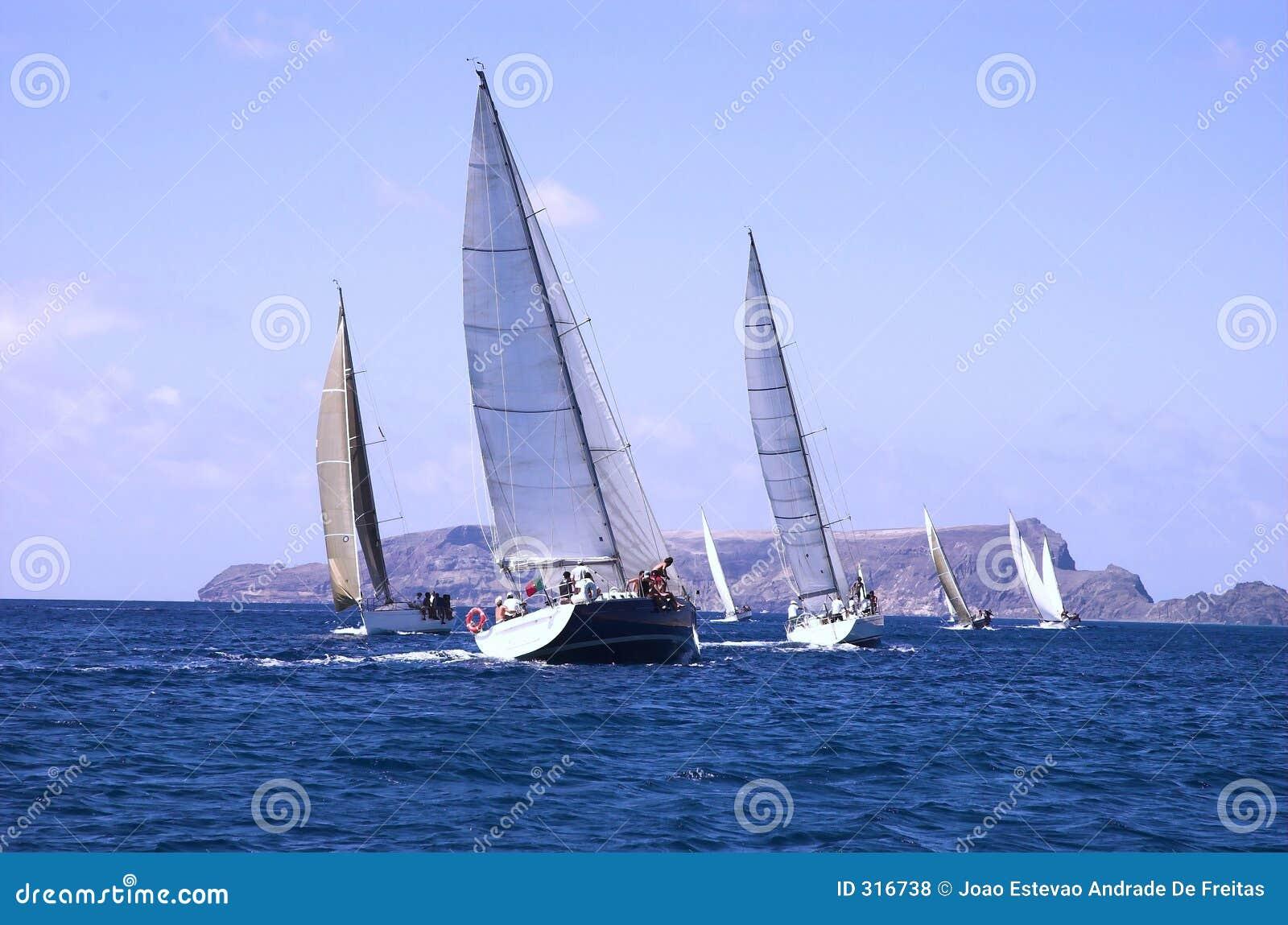 Regaty łodzi