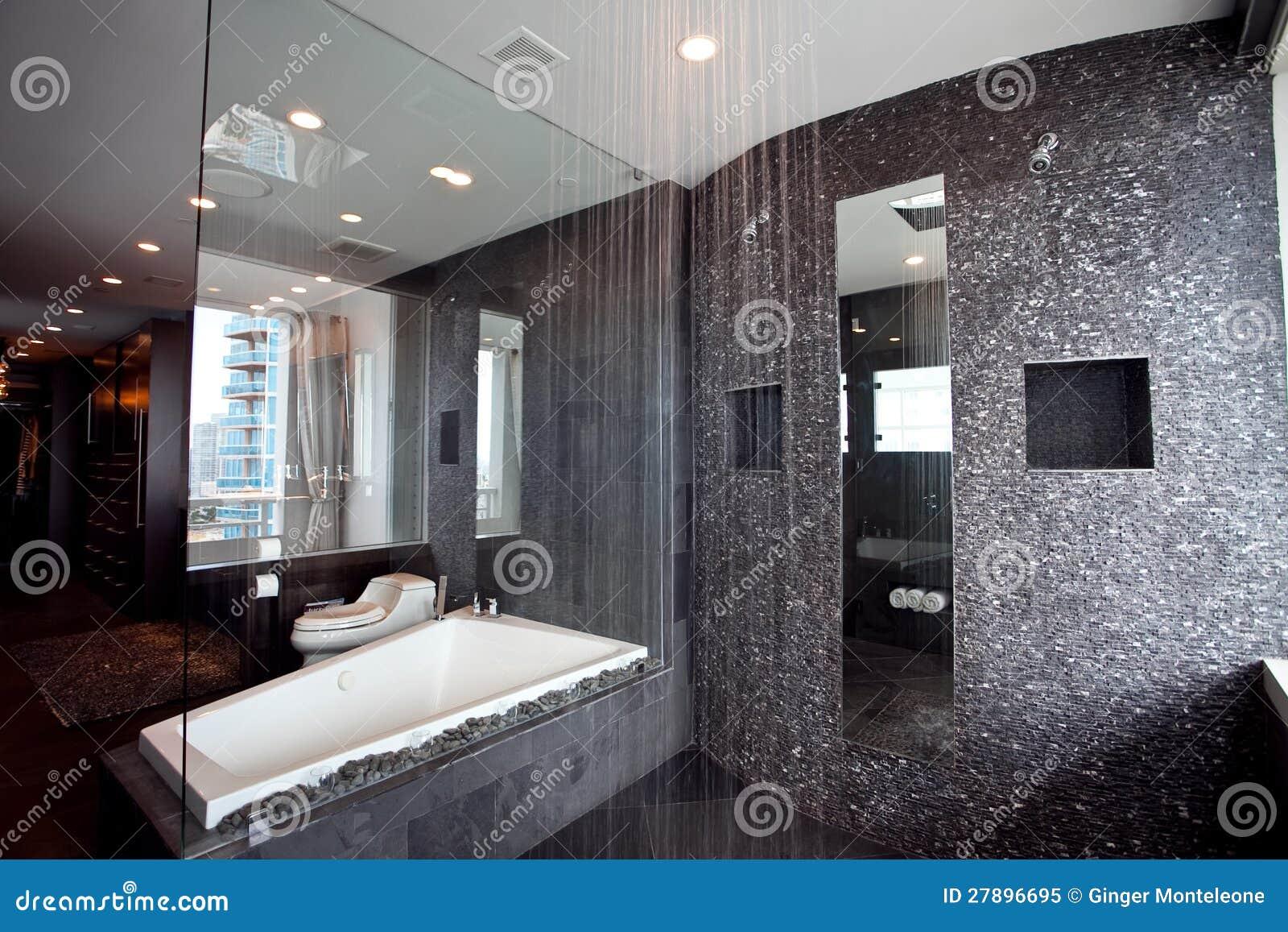 Regen Dusche Stockbild Bild Von Badewanne Standplatz 27896695