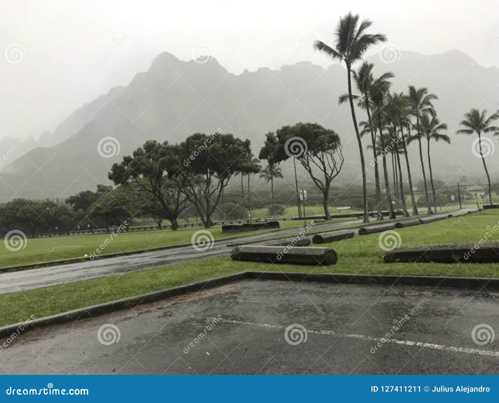 Regenachtige dag in Kualoa