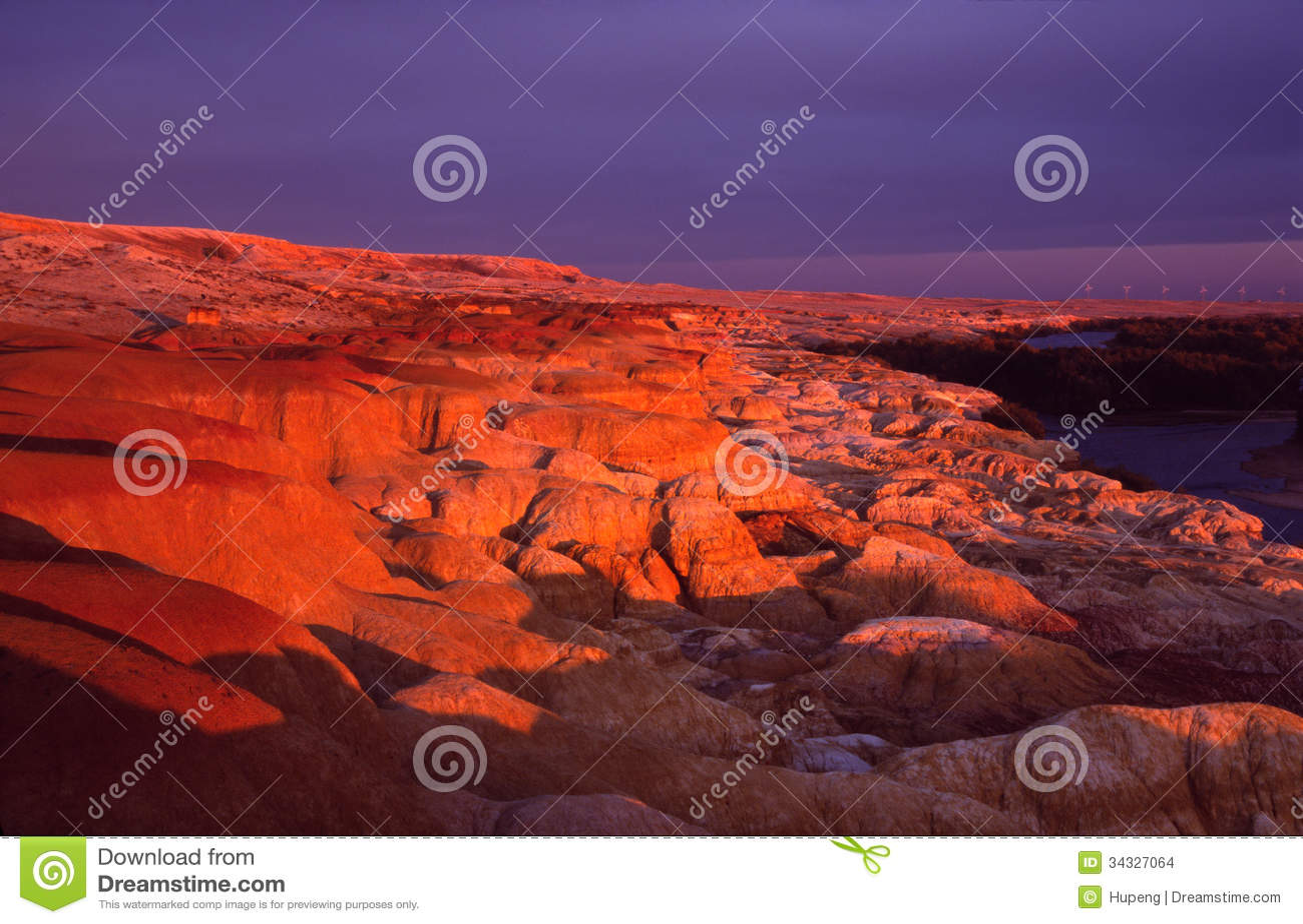 Regenbogen-Masse bei Sonnenuntergang