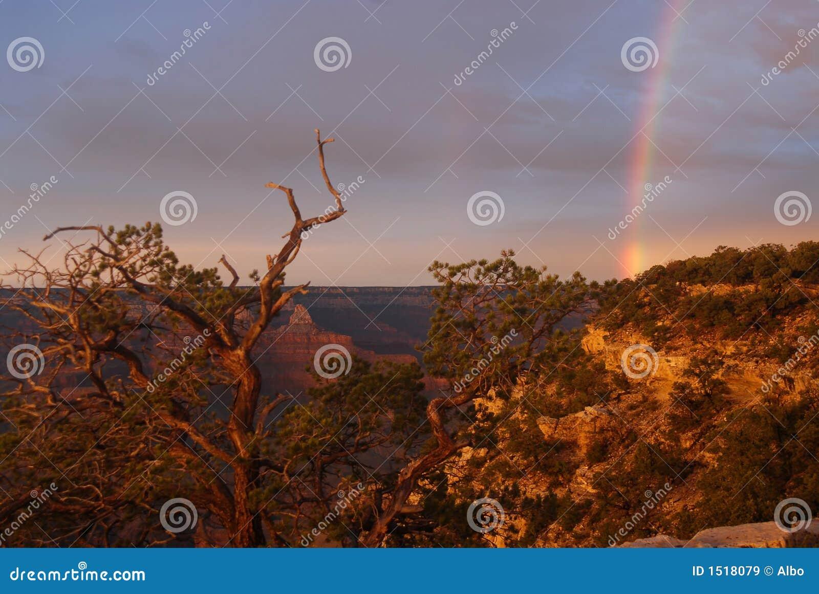 Regenboog bij Grote Canion