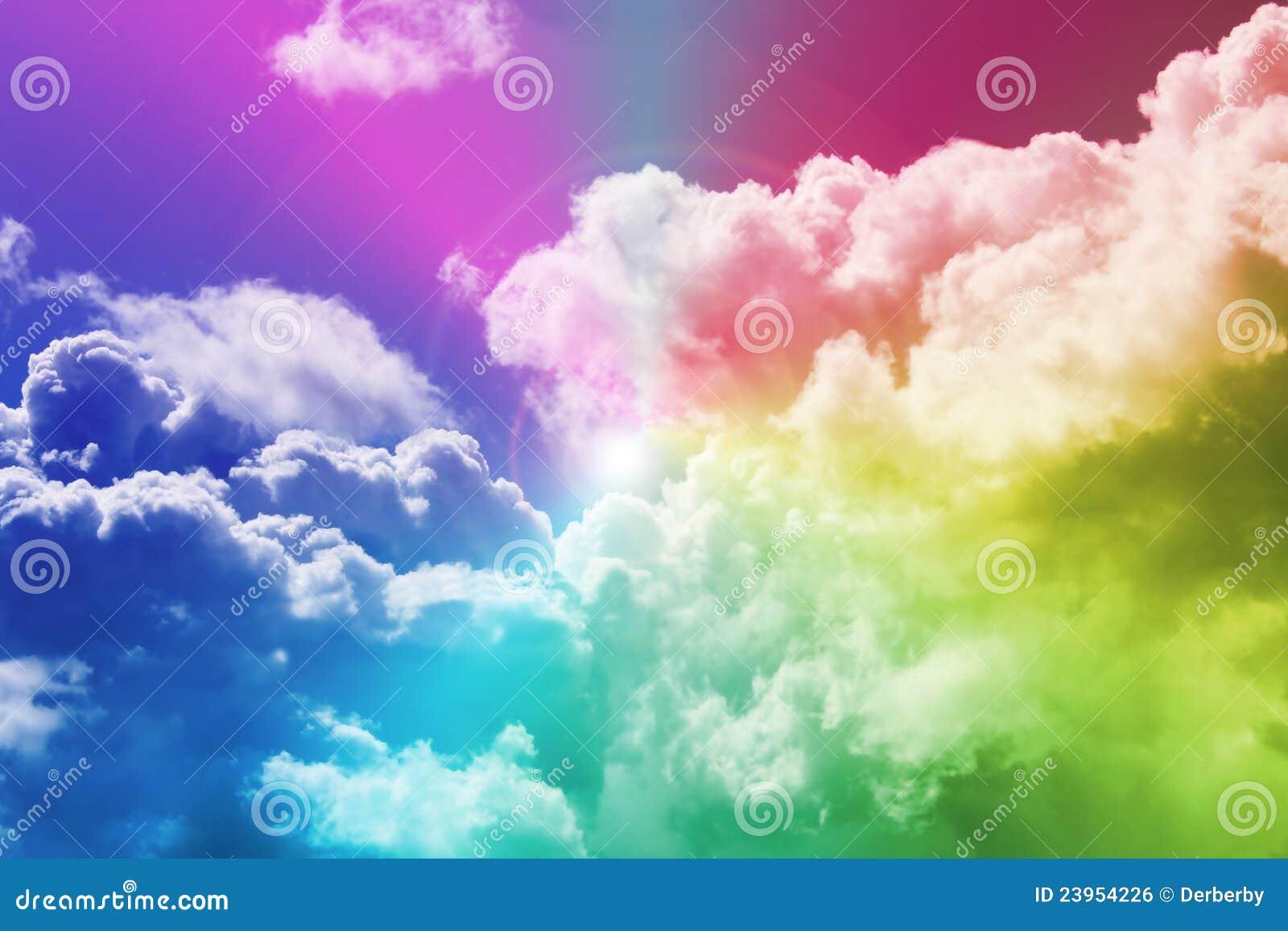 Regenboog en wolken