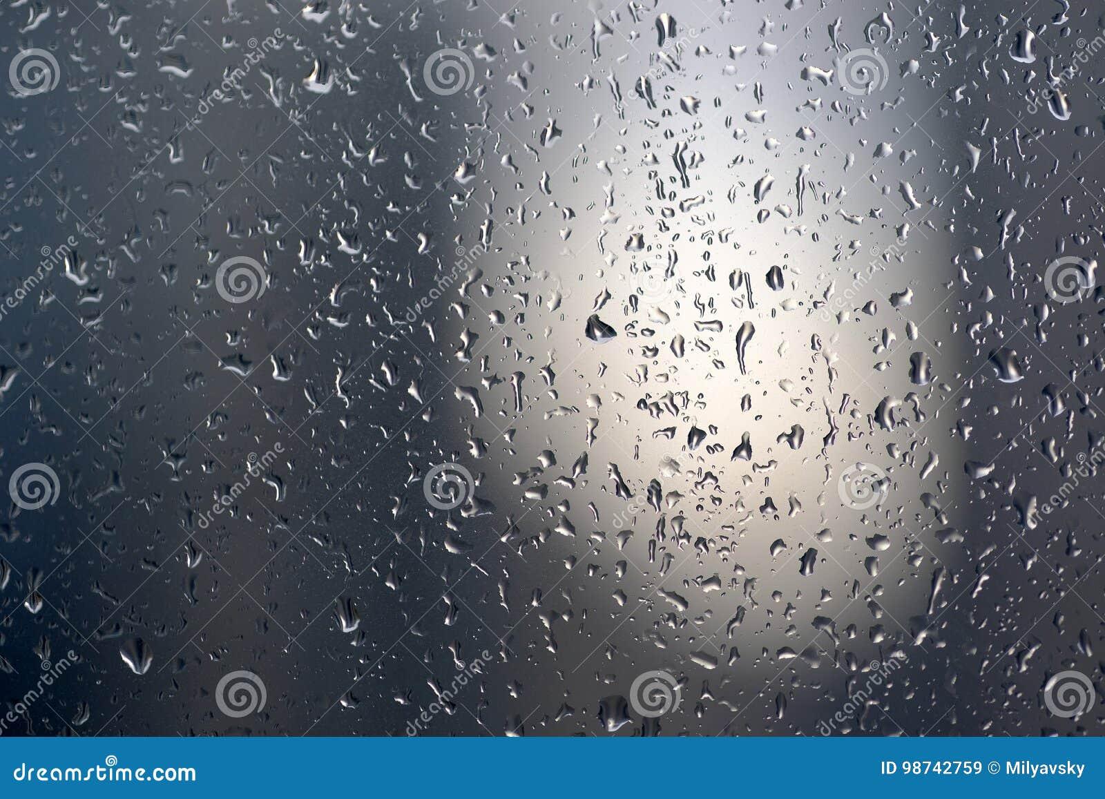 Regendruppels, glas, scherpe details