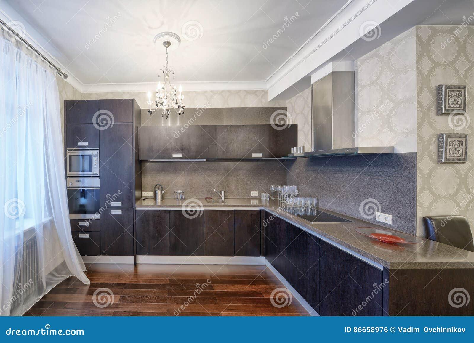 Region Russlands, Moskau - Die Innenarchitektur Der Küche In Einer ...