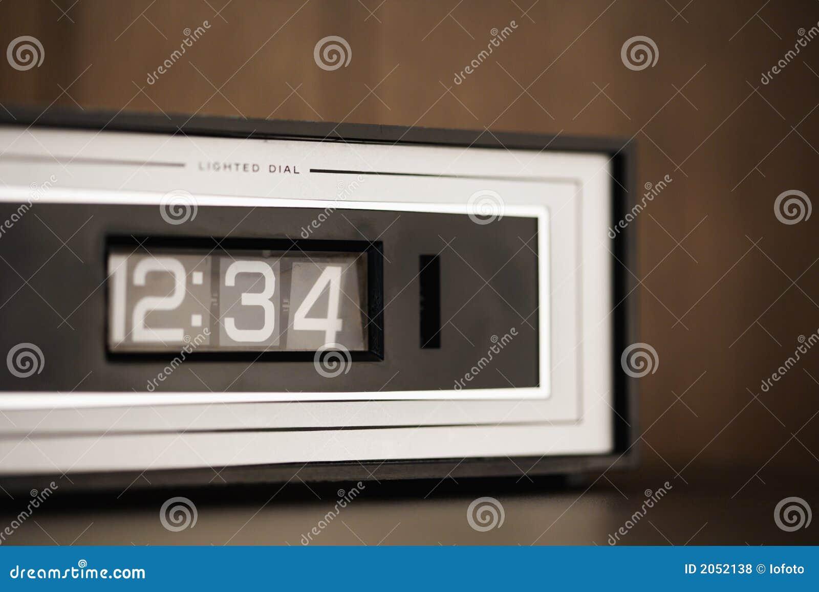 Registre el conjunto para el 12:34.