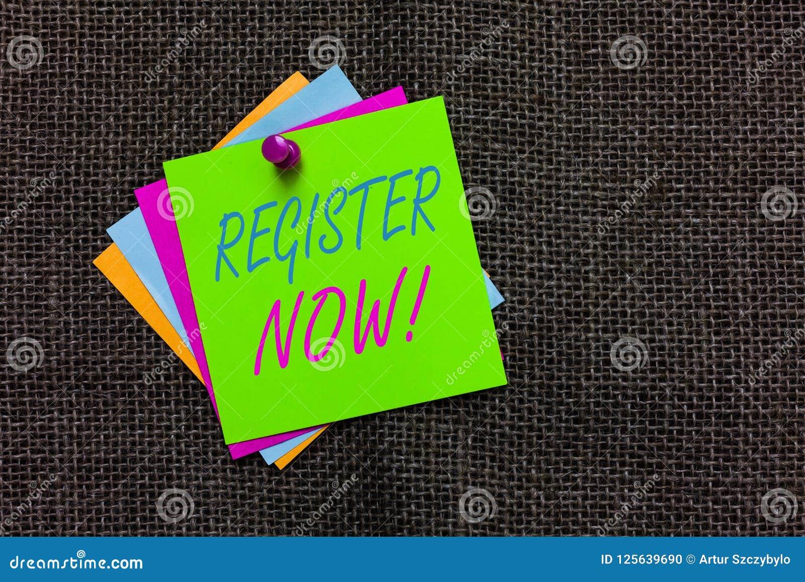 Registro do texto da escrita da palavra agora O conceito do negócio para o nome em uma lista oficial recruta para ser um membro a