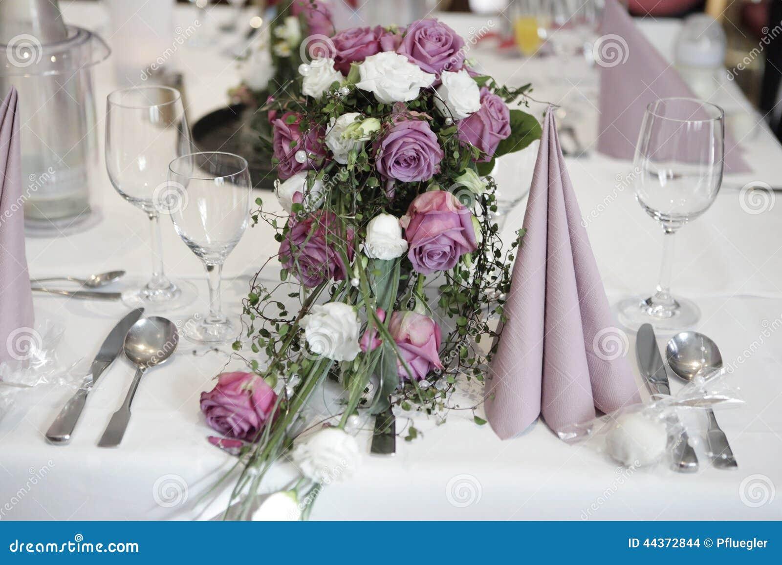 Regolazione della tabella con i fiori
