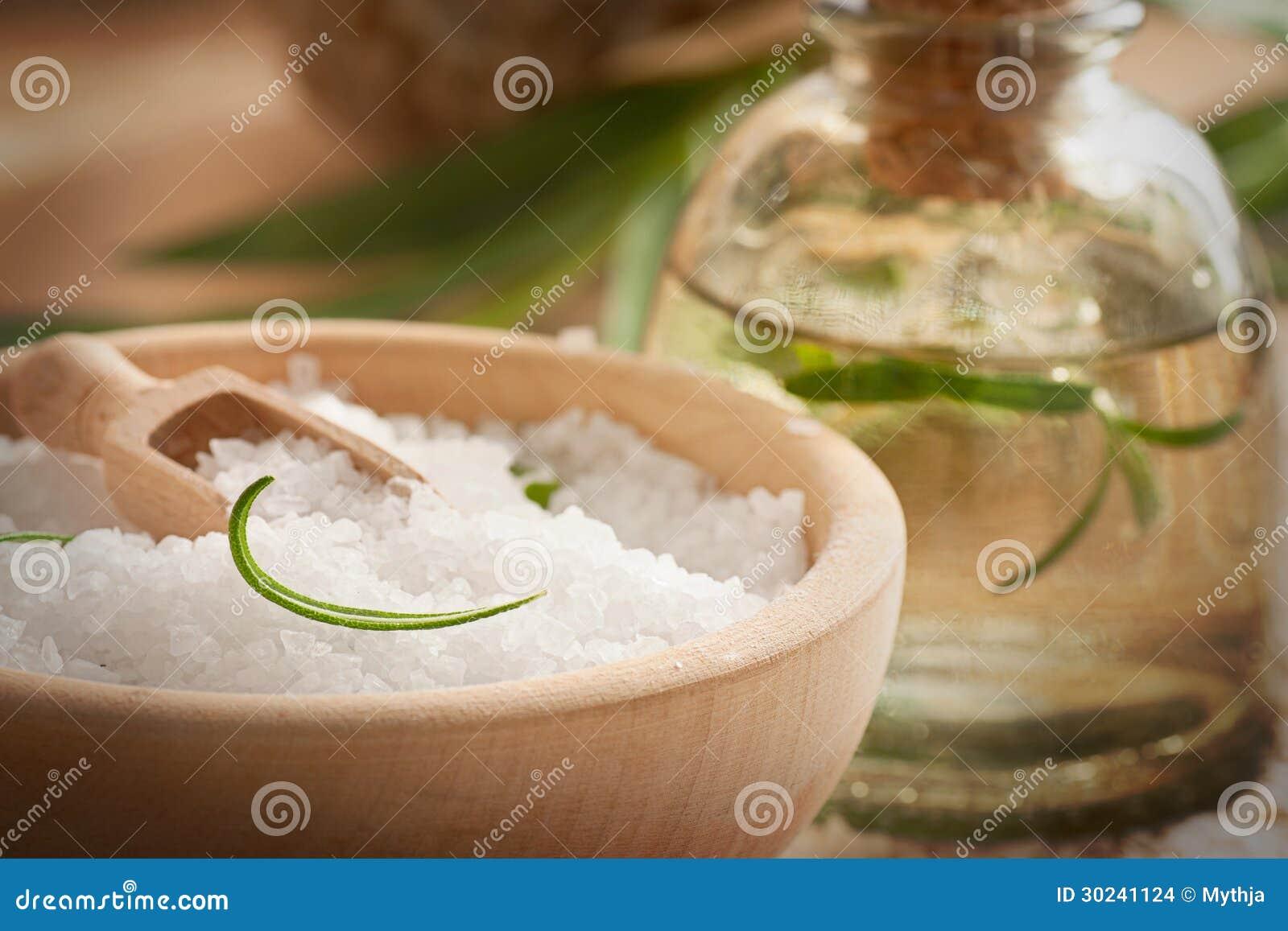 Regolazione della stazione termale con il sale ed il sapone di bagno
