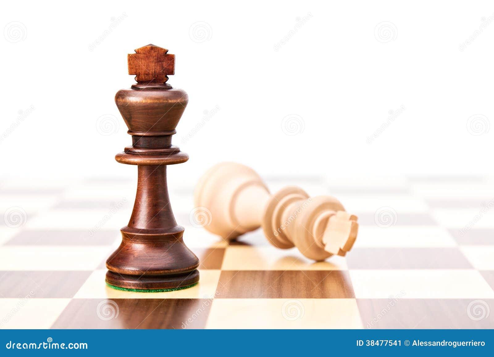 Rei preto do branco das derrotas do Checkmate