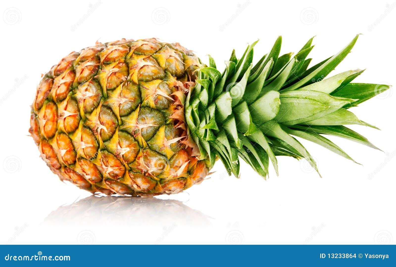 reife ananasfrucht mit gr nen bl ttern stockbilder bild. Black Bedroom Furniture Sets. Home Design Ideas