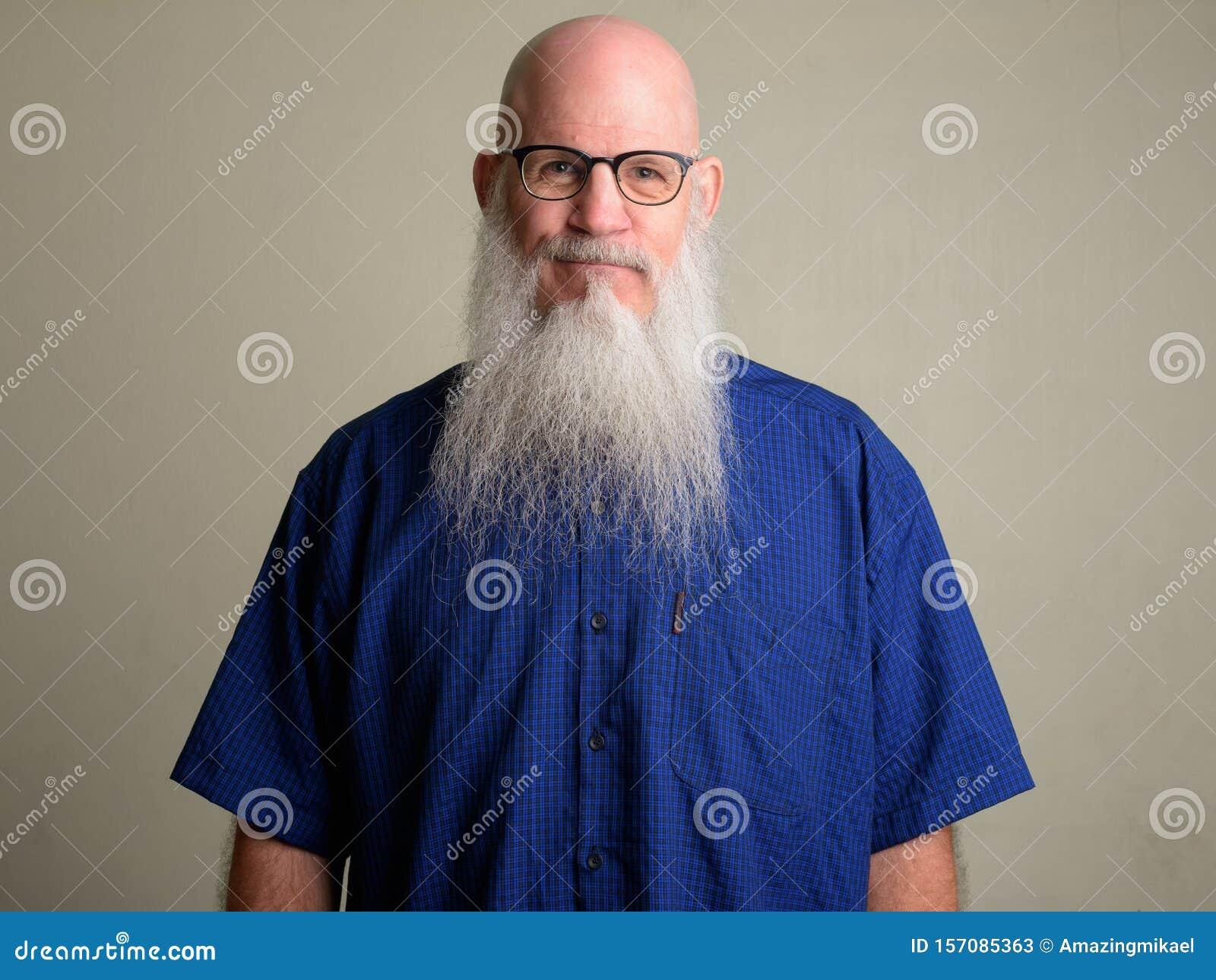 Glatze männer und brille mit Haarausfall: Warum