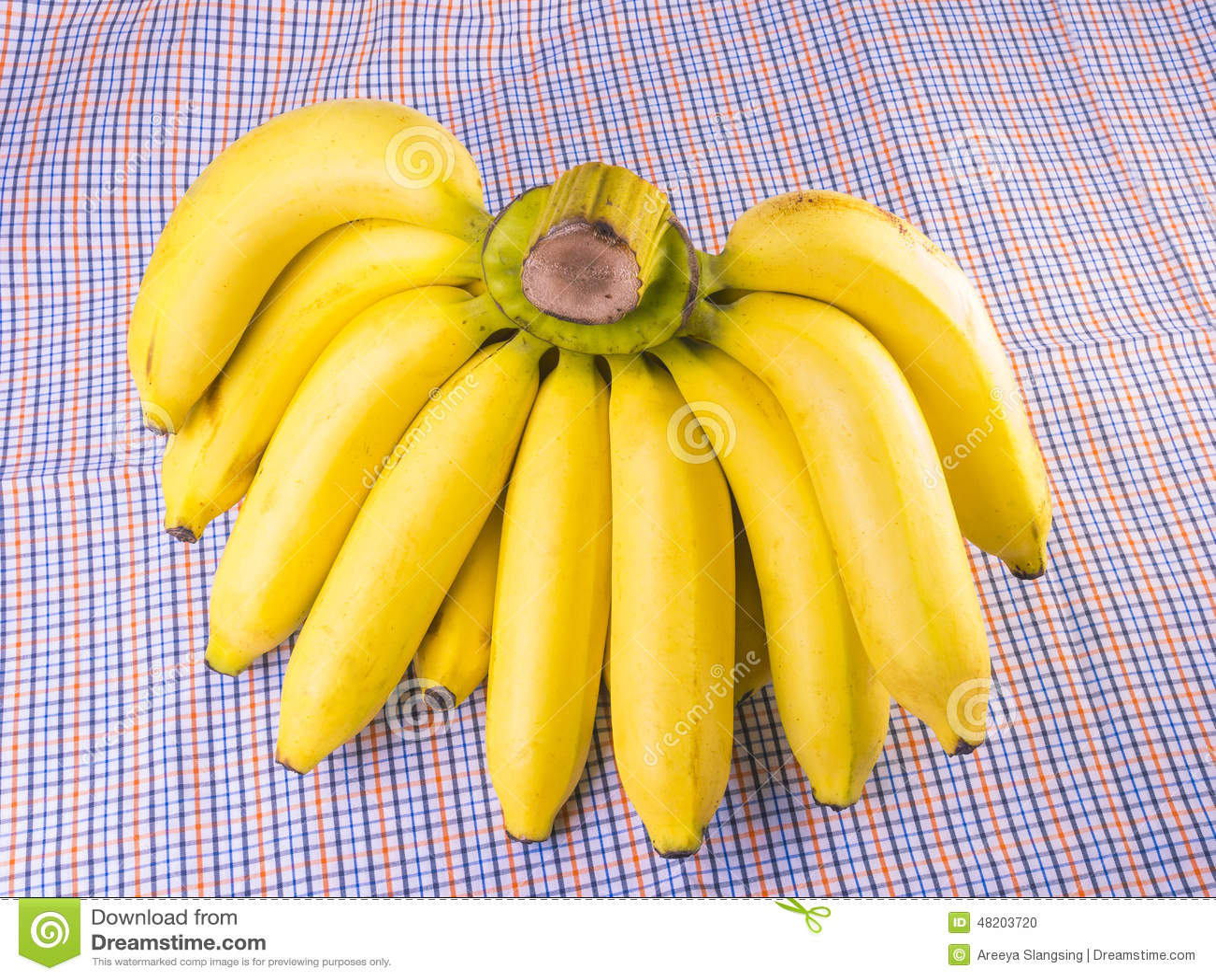 reife banane auf stoff stockfoto bild von imbi nahrhaft 48203720. Black Bedroom Furniture Sets. Home Design Ideas