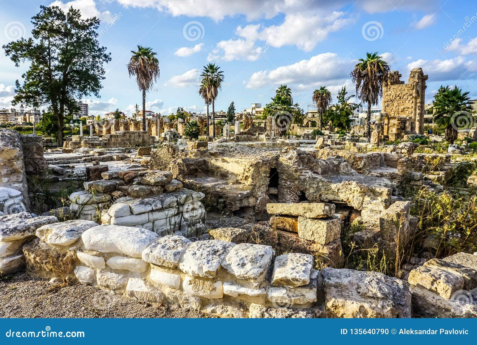 Reifen-Hippodrom und Friedhof 19
