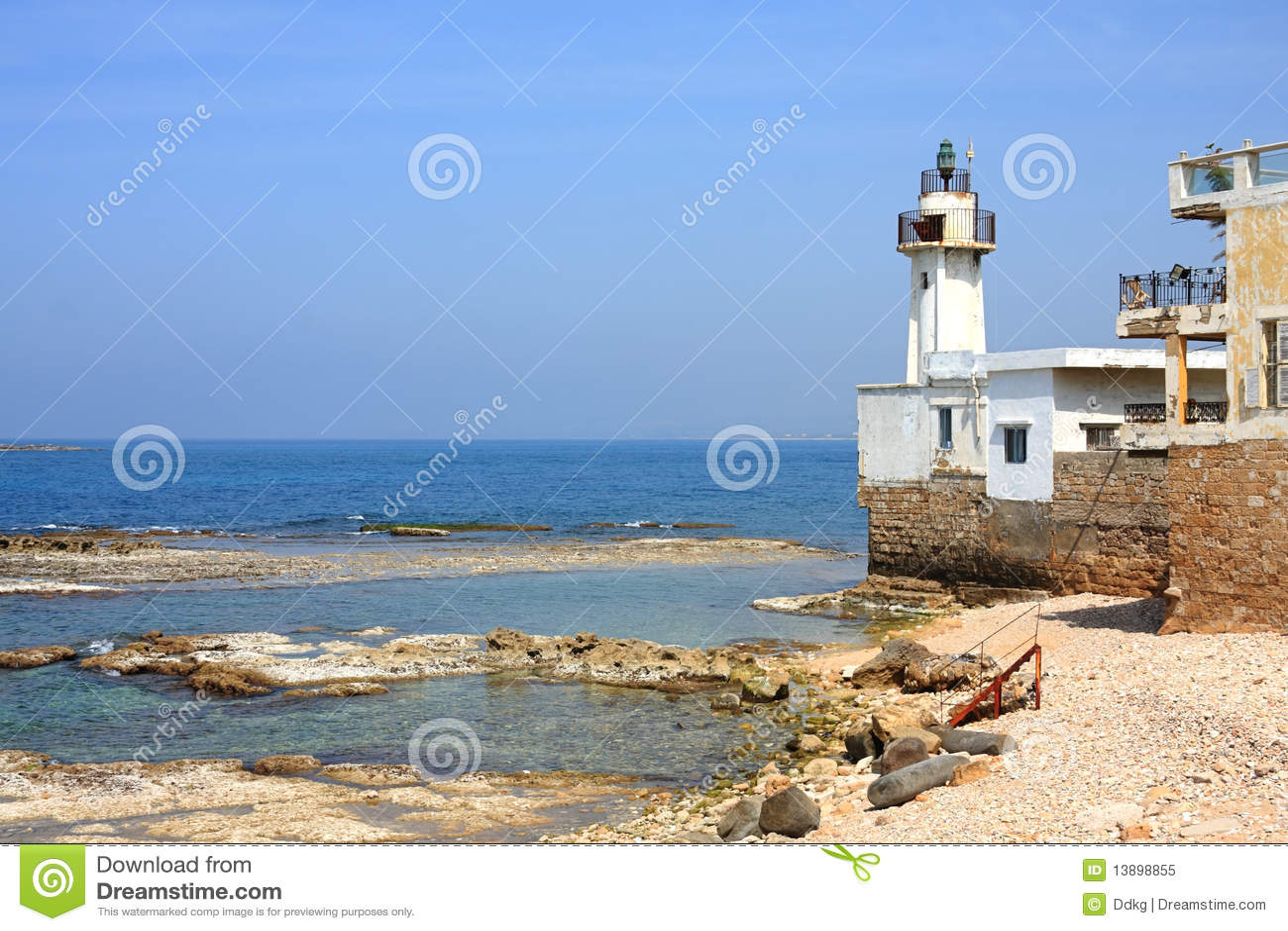 Reifen-Leuchtturm, der Libanon