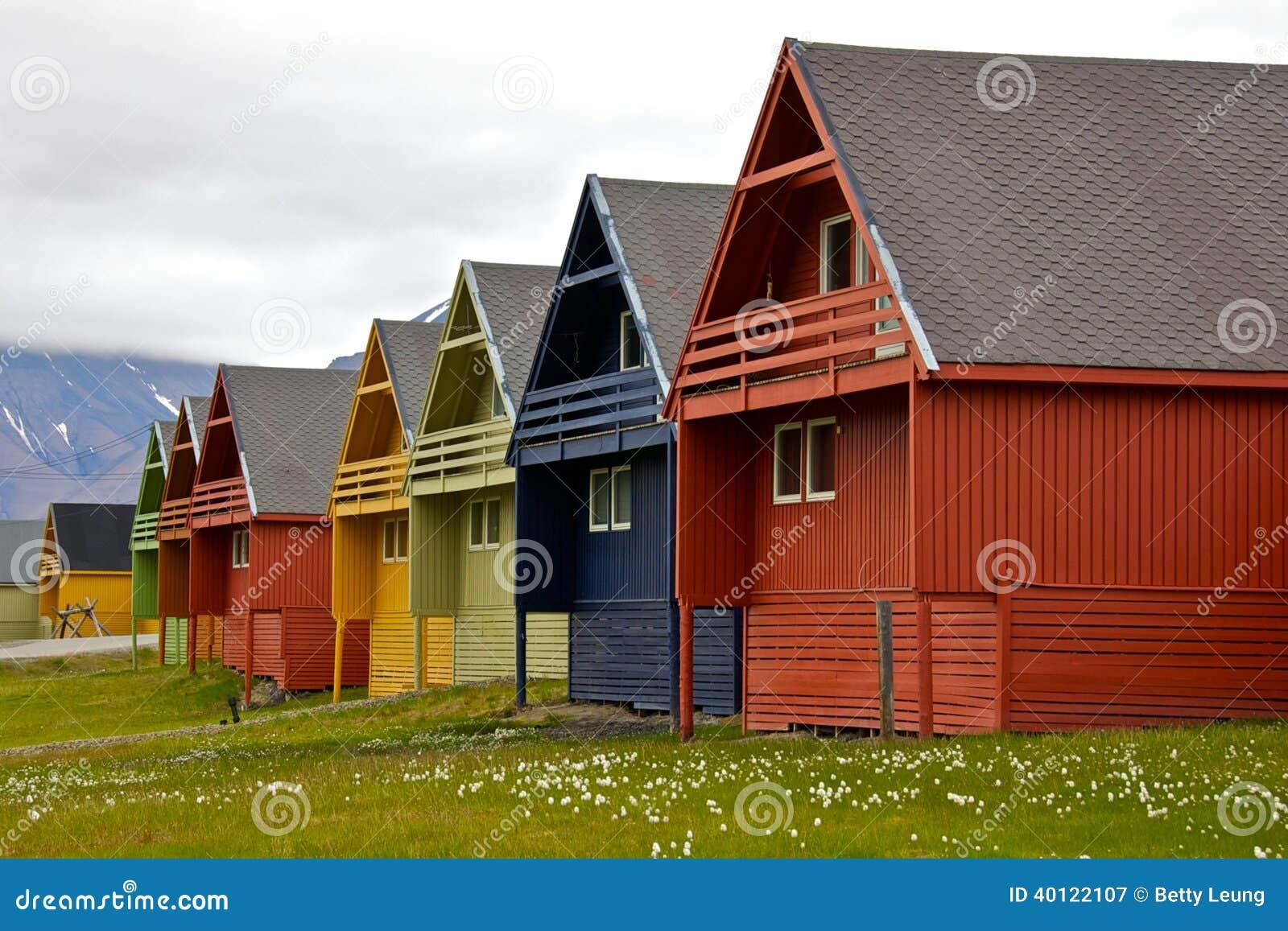 eihe Von Bunten Häusern In Longyearbyen, Svalbard Stockfoto ... size: 1300 x 957 post ID: 8 File size: 0 B