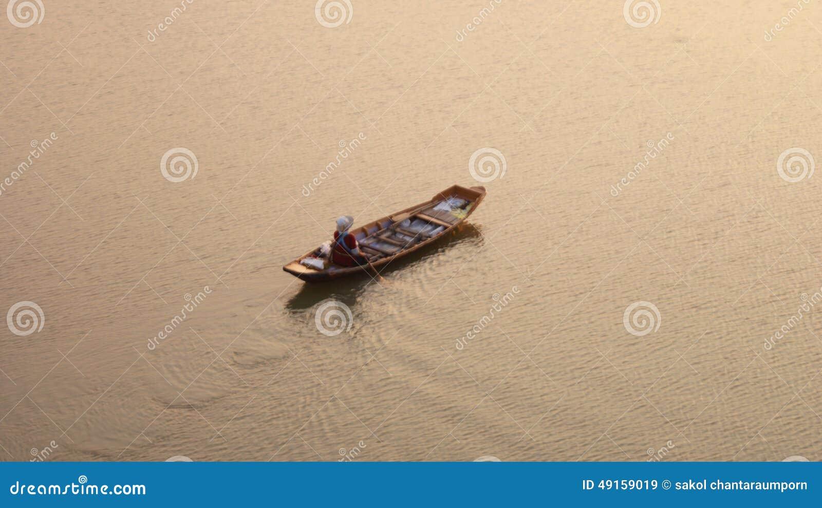 Reihenboot mit Händler
